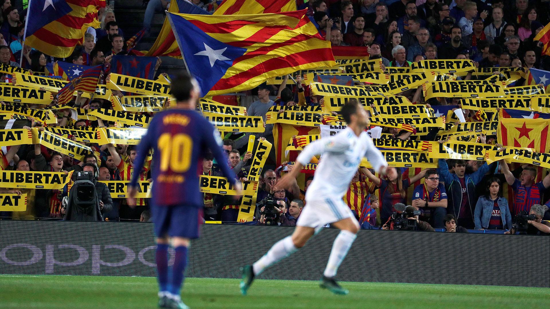Los hinchas catalanes, protagonistas del encuentro (EFE)