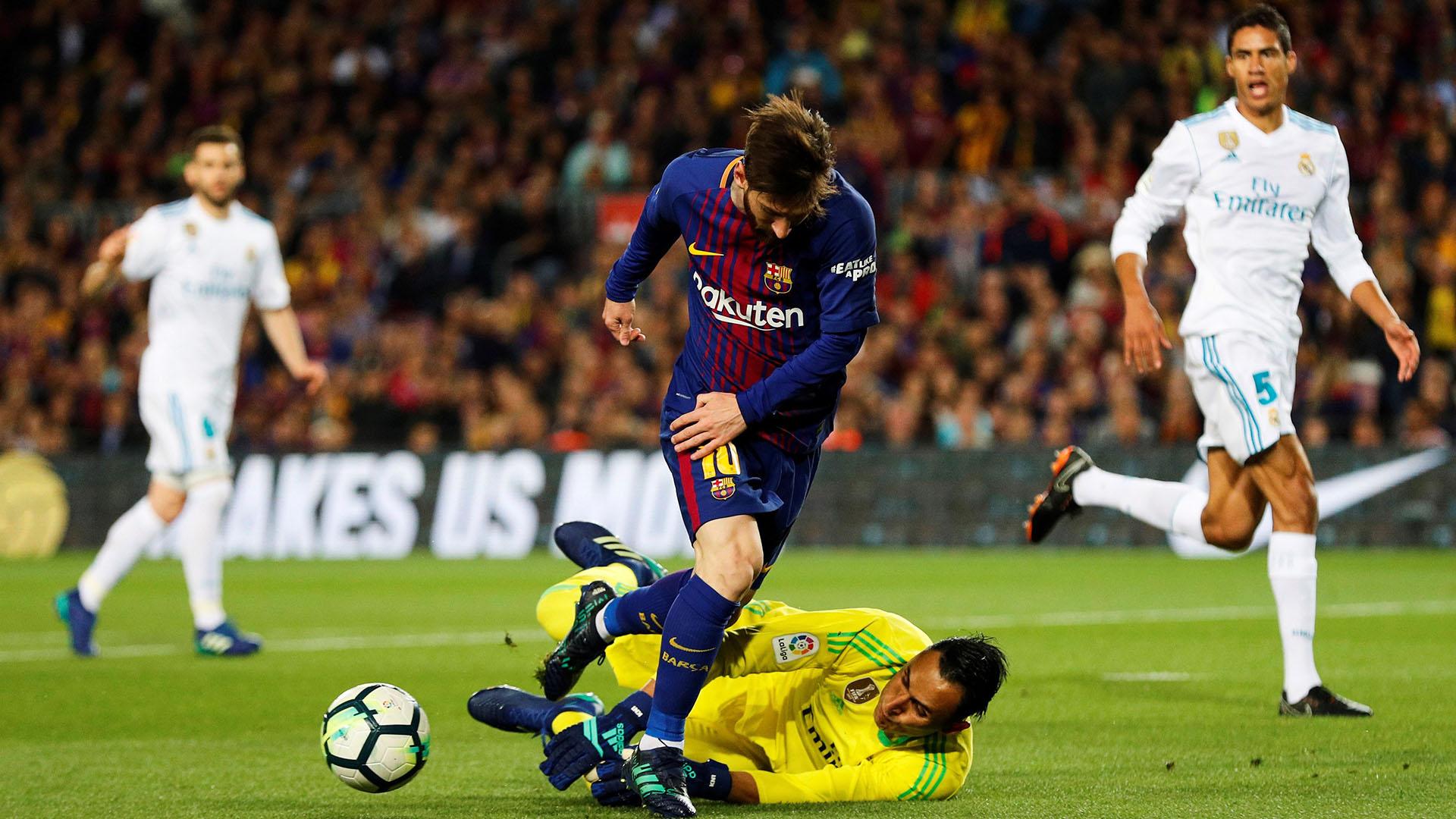 Messi en un mano a mano ante Navas (EFE)