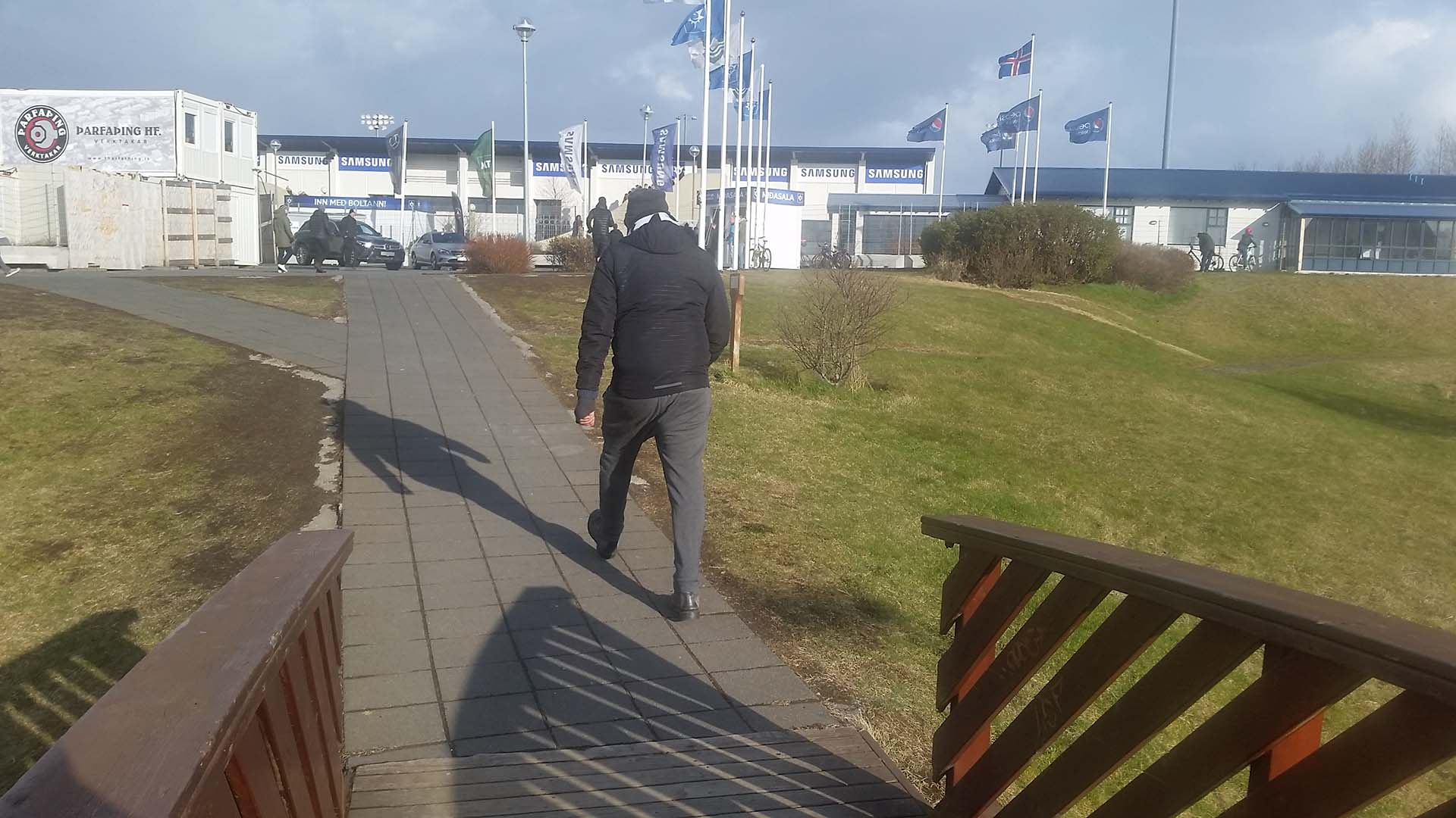 El camino de ingreso al estadio del Stjarnan