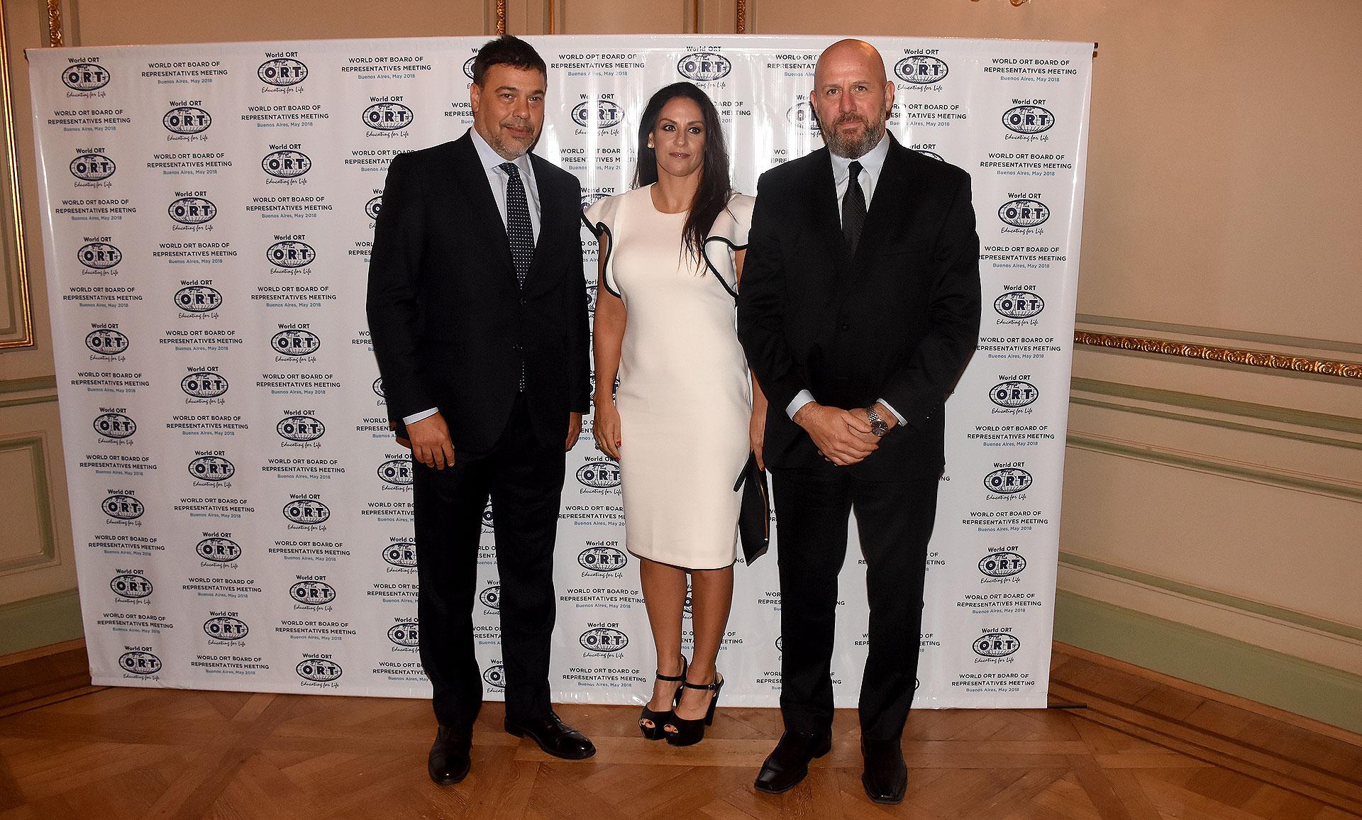Darío Werthein junto al diputado Wolff y su esposa