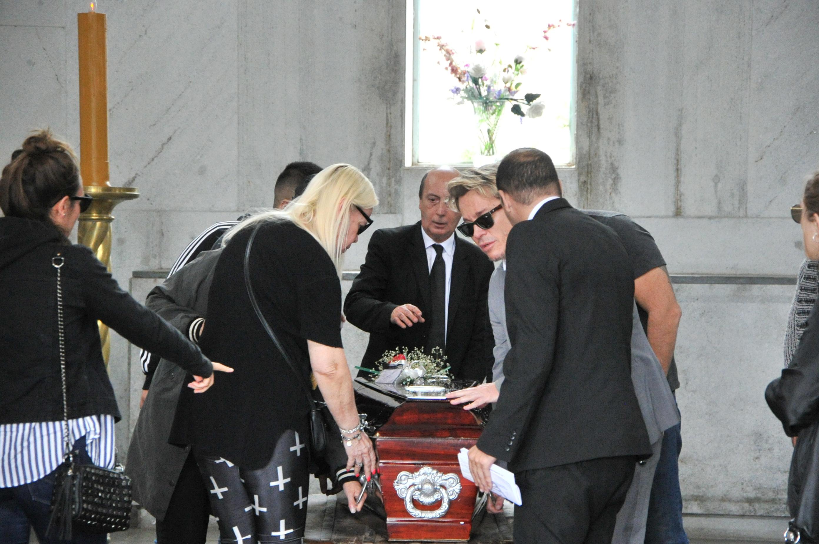 En el entierro también estuvieron los demás hermanos de Guido y Silvia, Norma y Marcelo