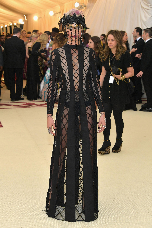 Dior fue el encargado del impactante vestuario de Cara Delevigne