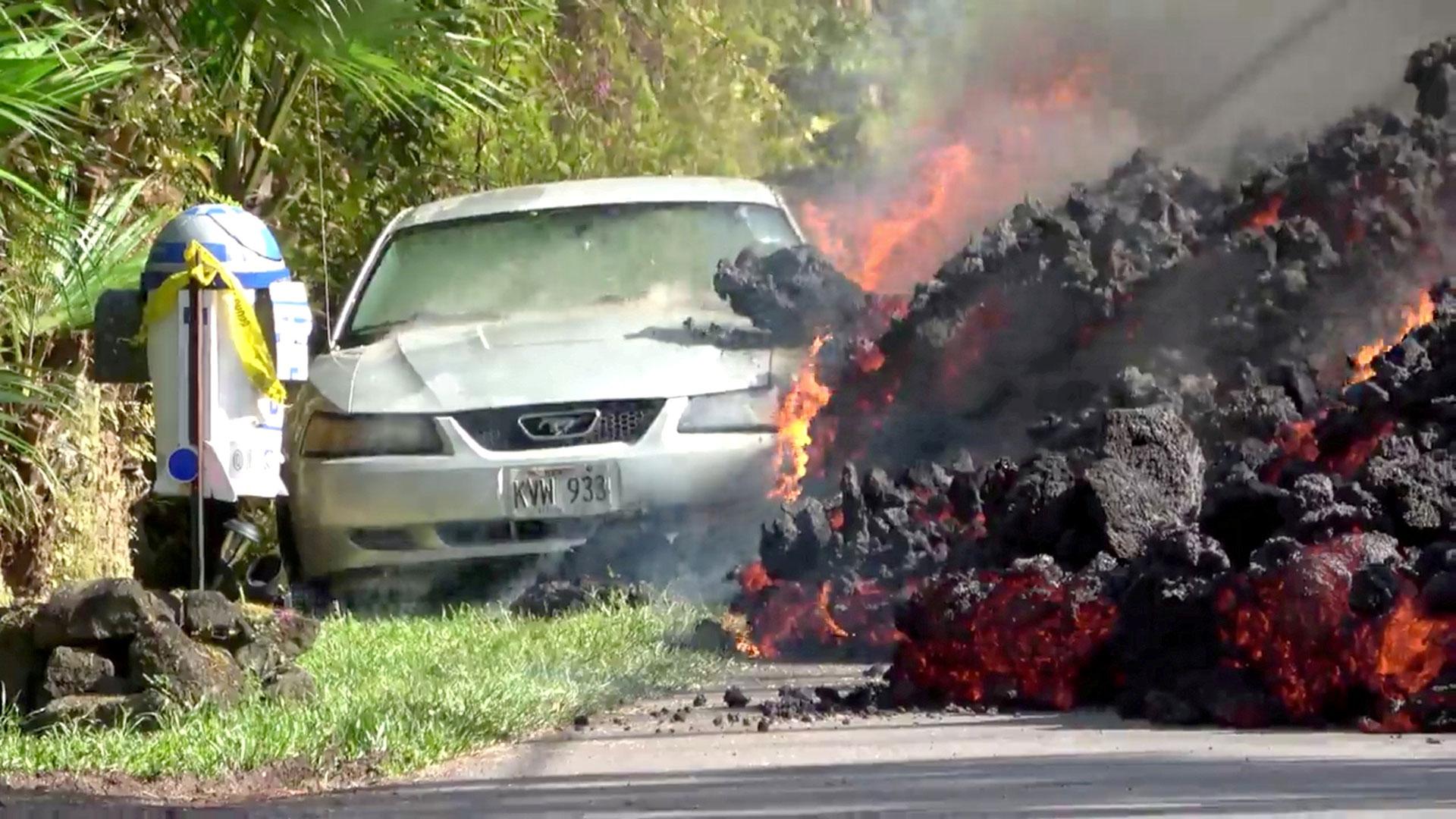 Era un Ford Mustang y pertenecía a un vecino del barrio Leilani Estates(Reuters)