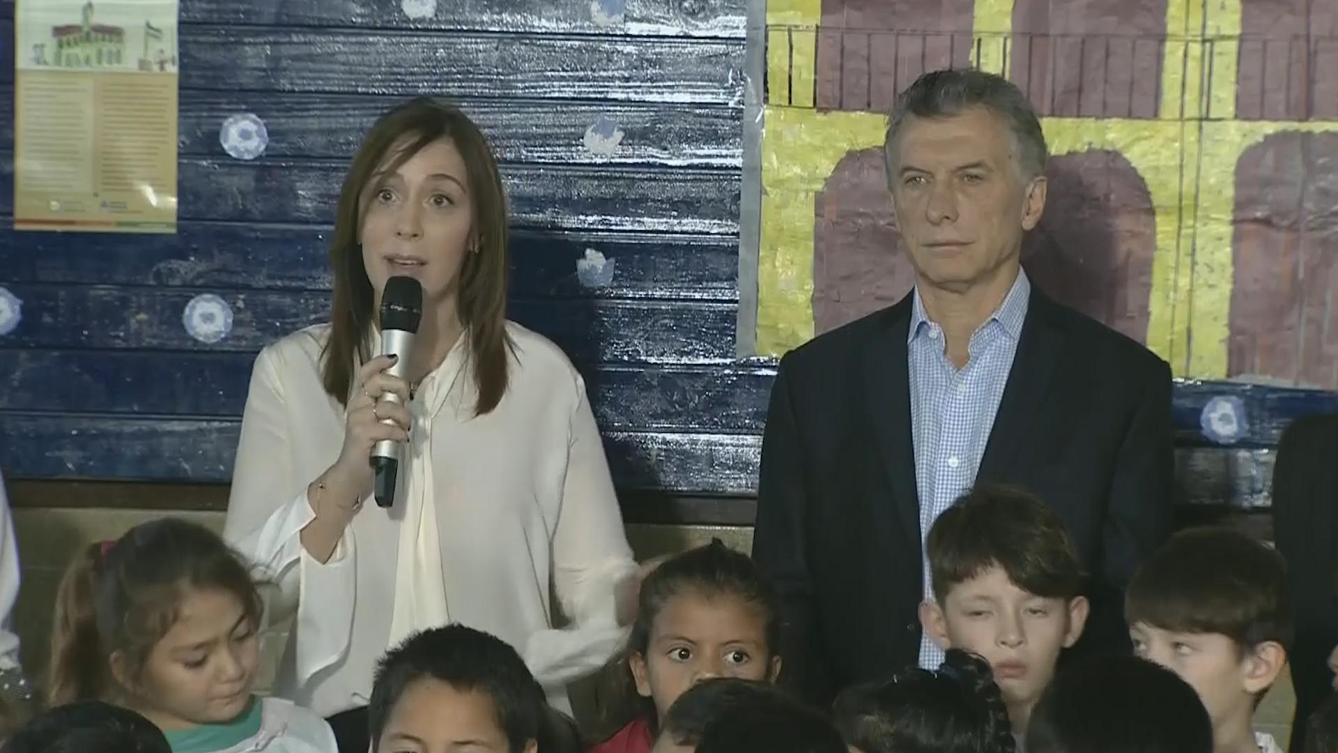María Eugenia Vidal junto al presidente Macri en un acto