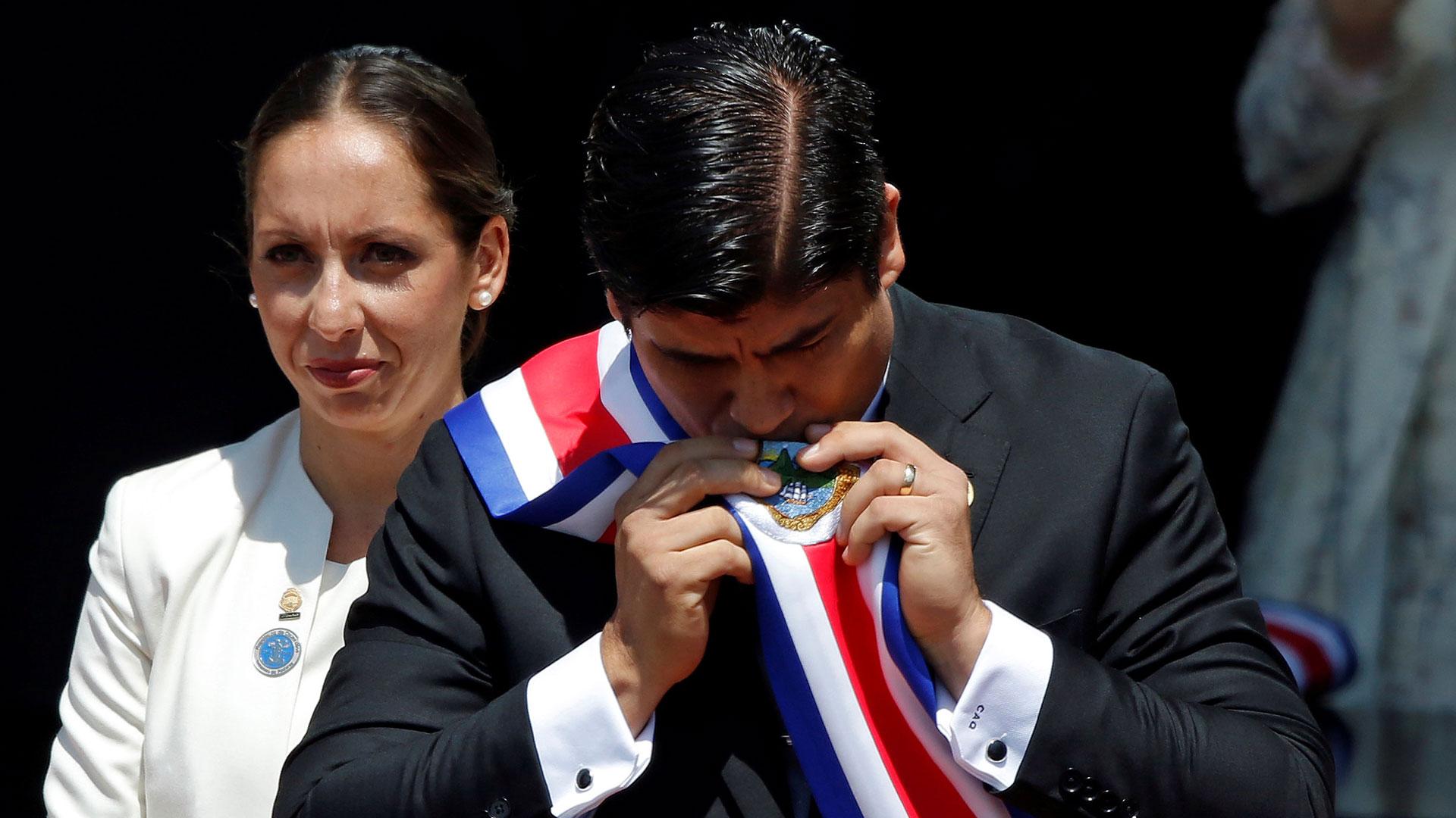 Carlos Alvarado Quesada asume como presidente de Costa Rica el 8 de mayo