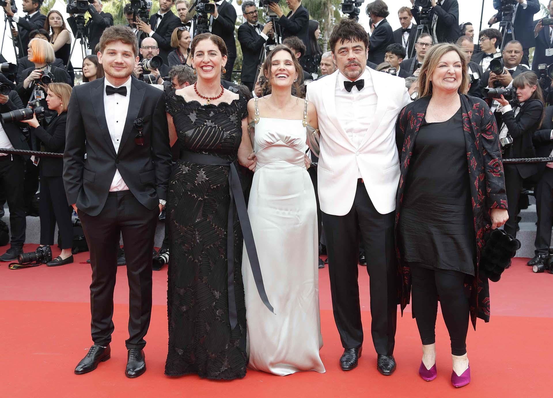 Benicio Del Toro junto a Virginie Ledoyen, Annemarie Jacir, Kantemir Balagov y Julie Huntsinger