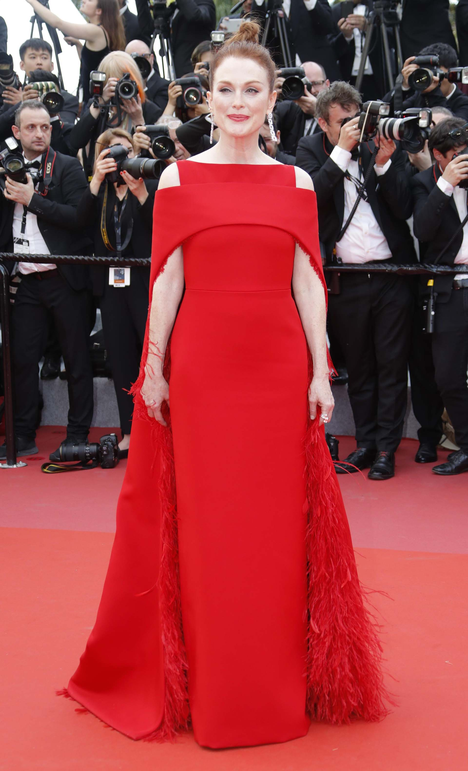 Julianne Moore vestida por Givenchy.