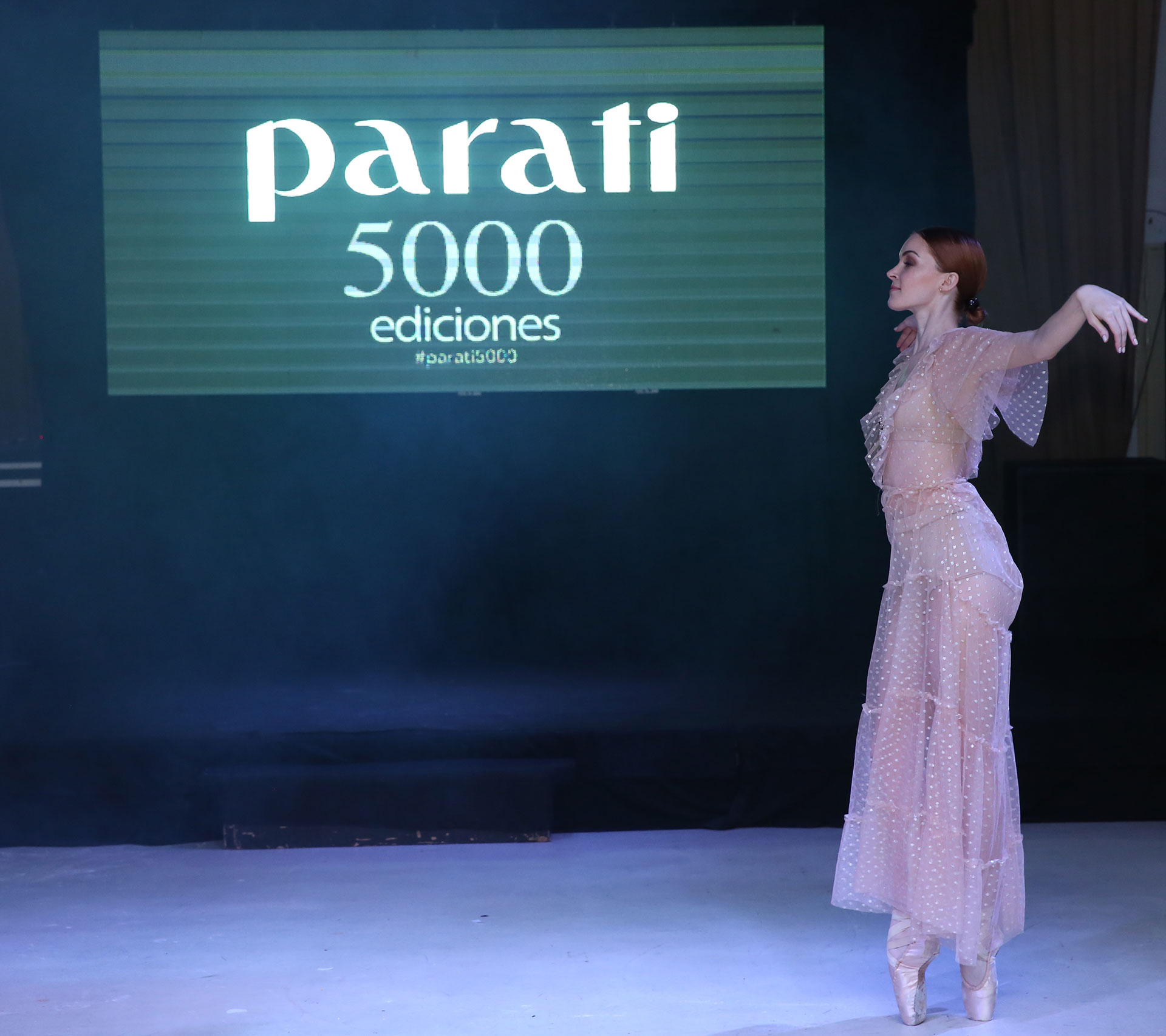 La bailarina Melisa Garat, dio inicio y cierre al evento con una performance.