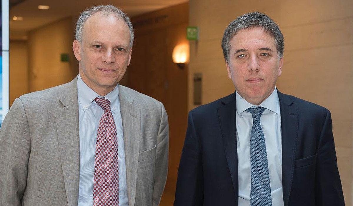 Alejandro Werner, director del Departamento del Hemisferio Occidental del FMI, junto con Nicolás Dujovne