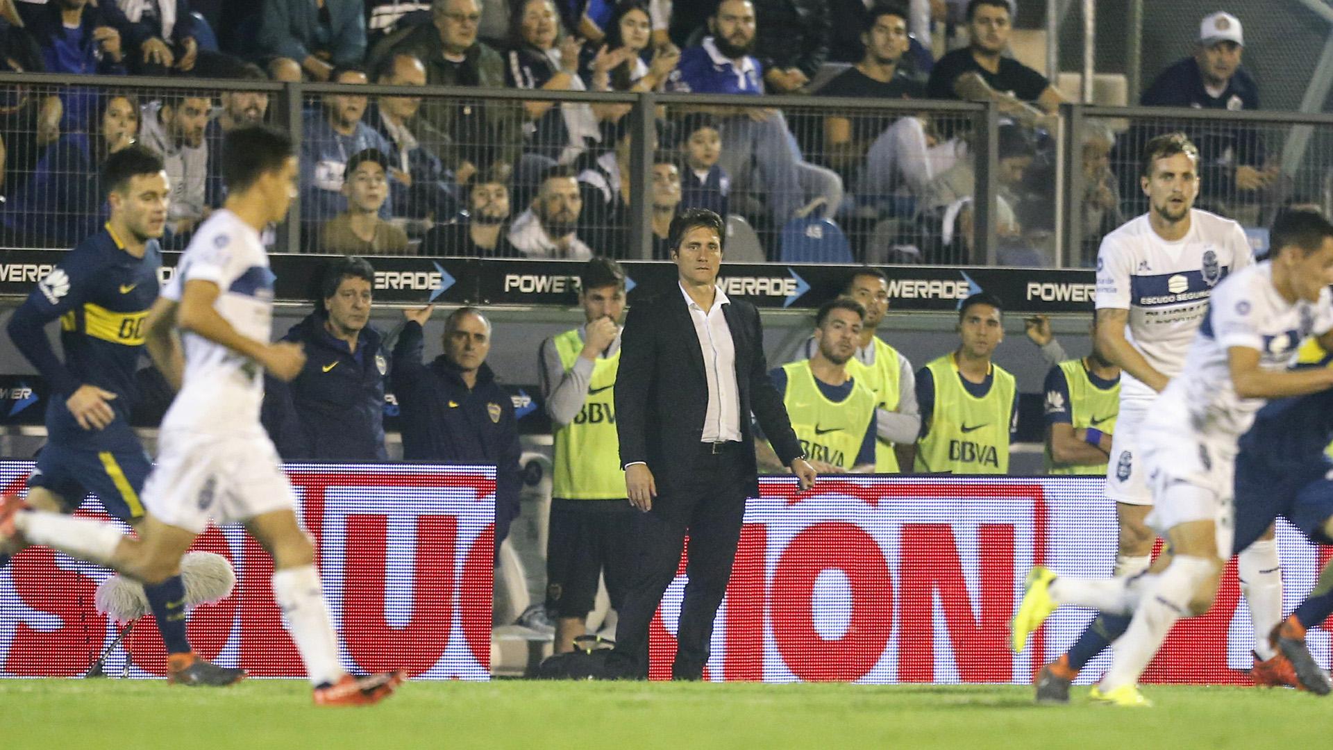 Guillermo Barros Schelotto vivió el duelo con mucho nerviosismo