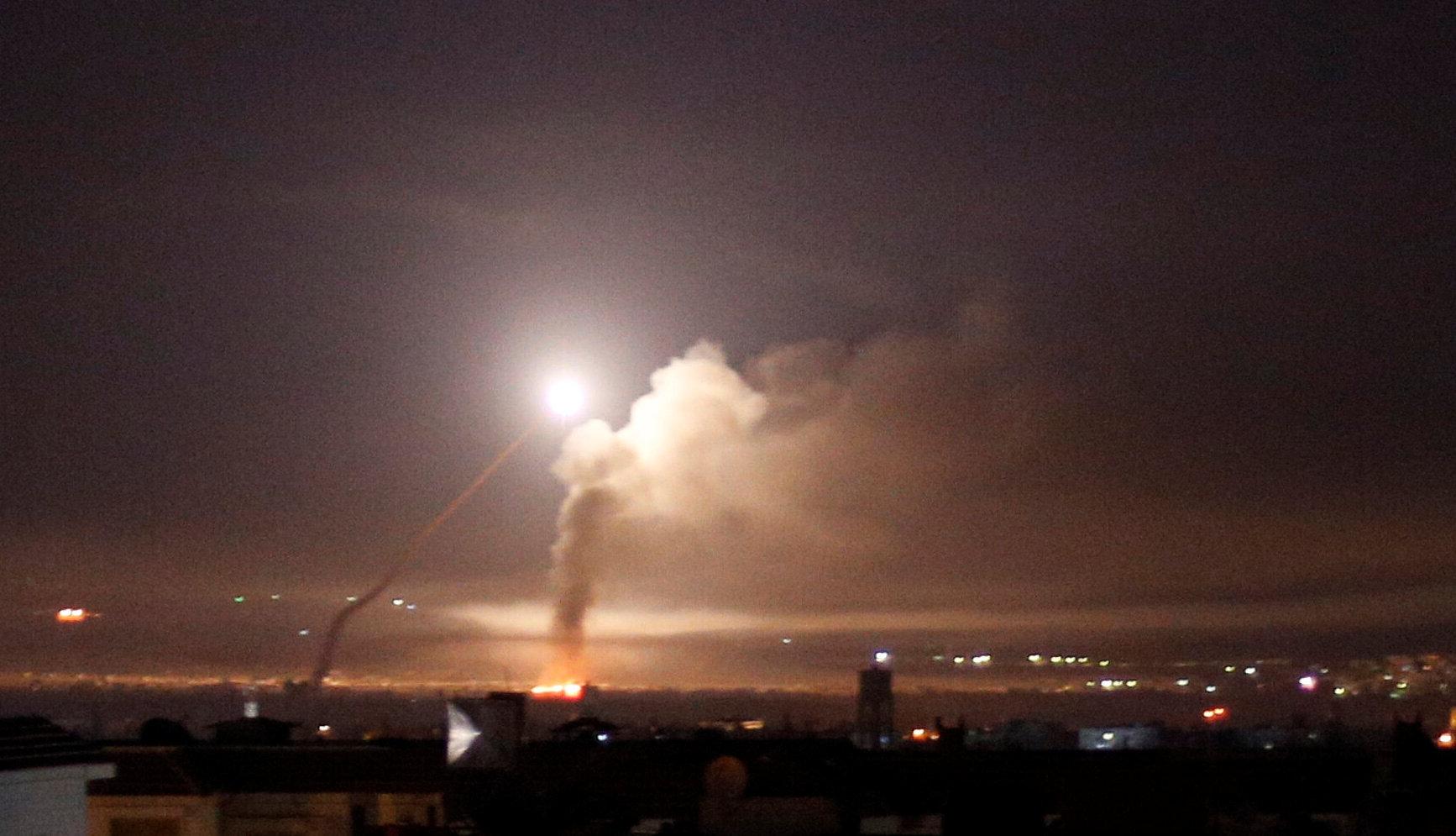 Misiles sobre Damasco (Archivo Reuters/Omar Sanadiki)