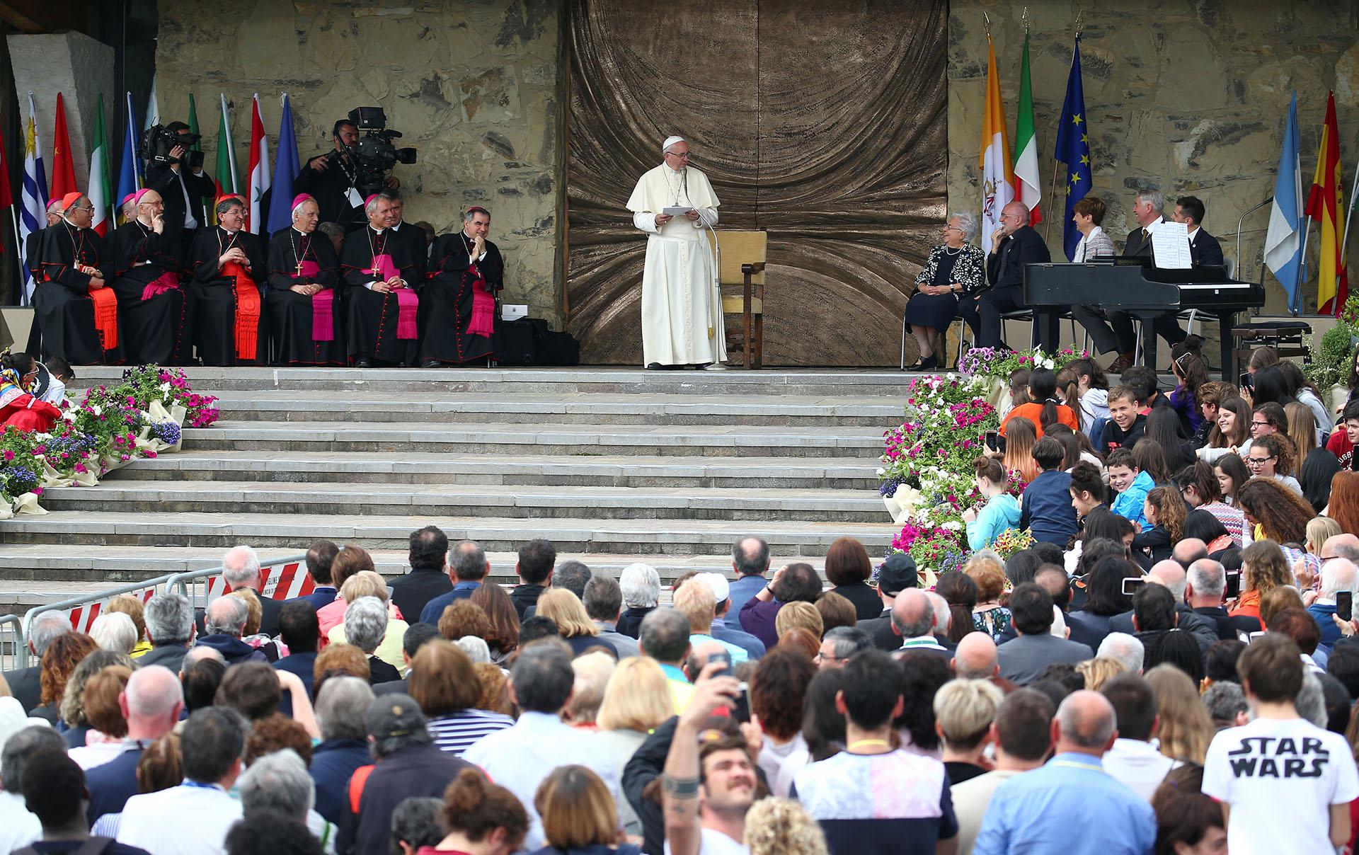 """El Vaticano advirtió también sobre la """"especulación"""" financiera"""
