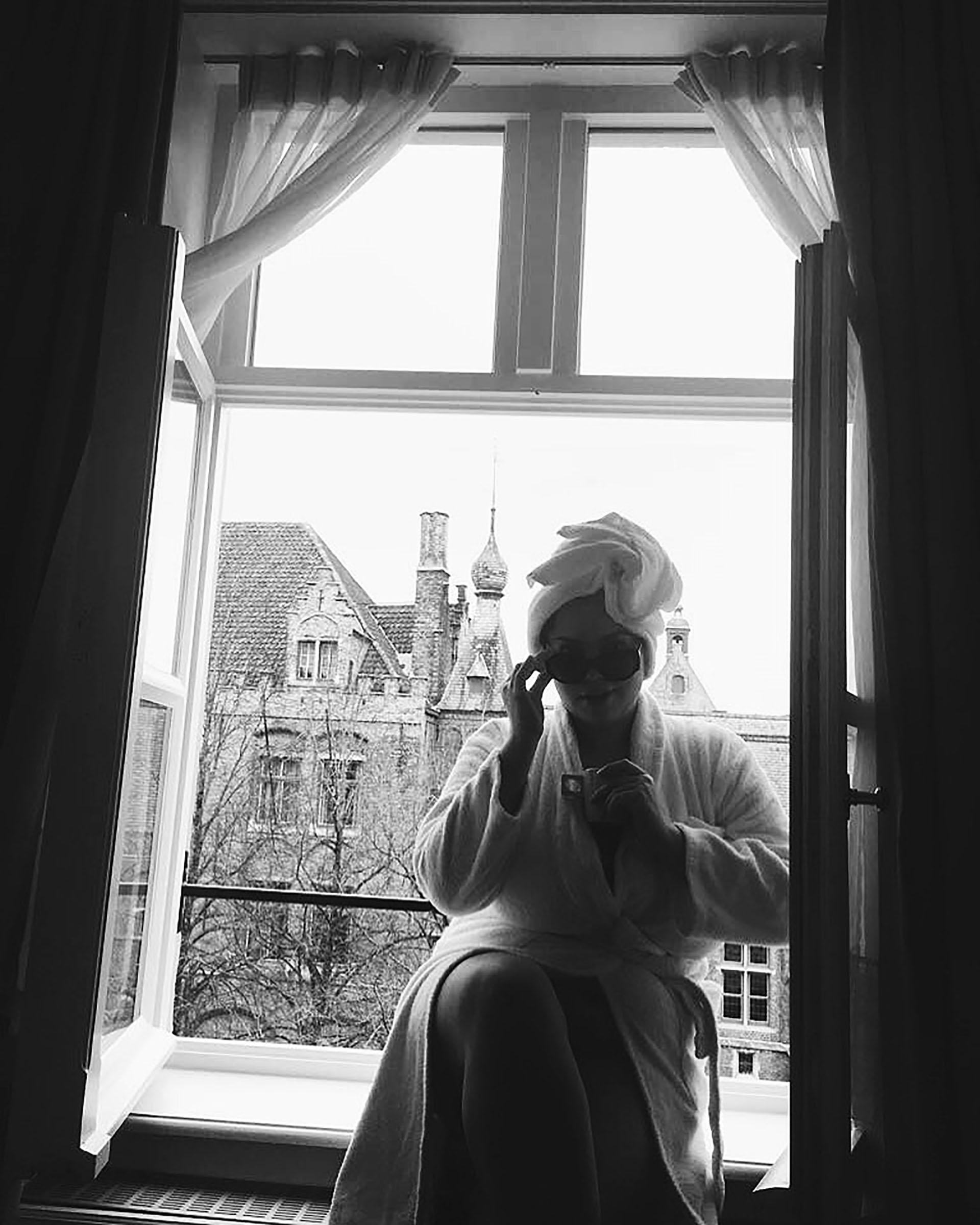 La modelo enunas vacaciones en Brujas, Bélgica.