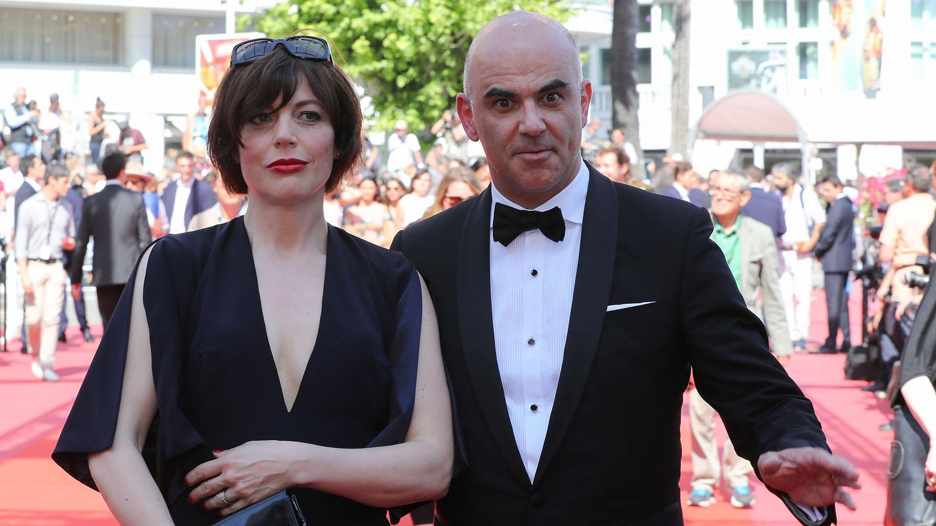 El presidente de la Confederación Suiza, Alain Berset, y su esposa Muriel Zeender Berset (AFP)