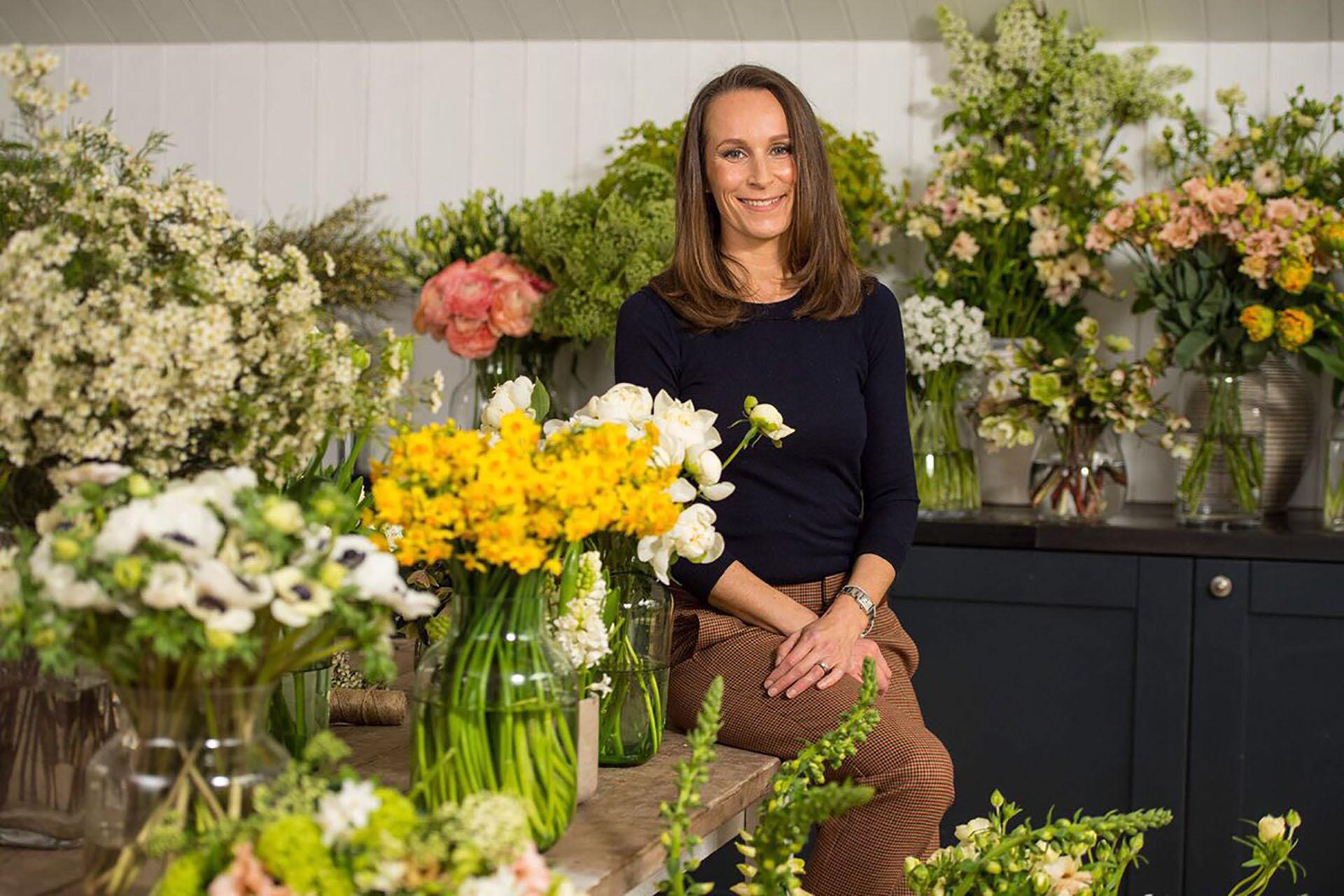 Para adornar tanto la capilla real como el enorme salón donde se celebrará el banquete, el príncipe Harry y su novia eligieron a la diseñadora floral Philippa Craddock.