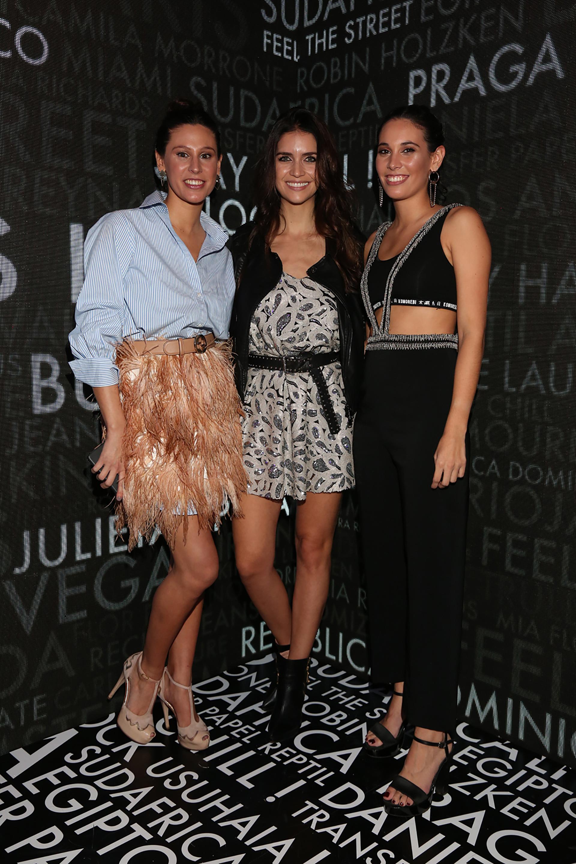 Mariana y María Victoria Elizalde, directoras creativas de la marca, junto a Zaira Nara
