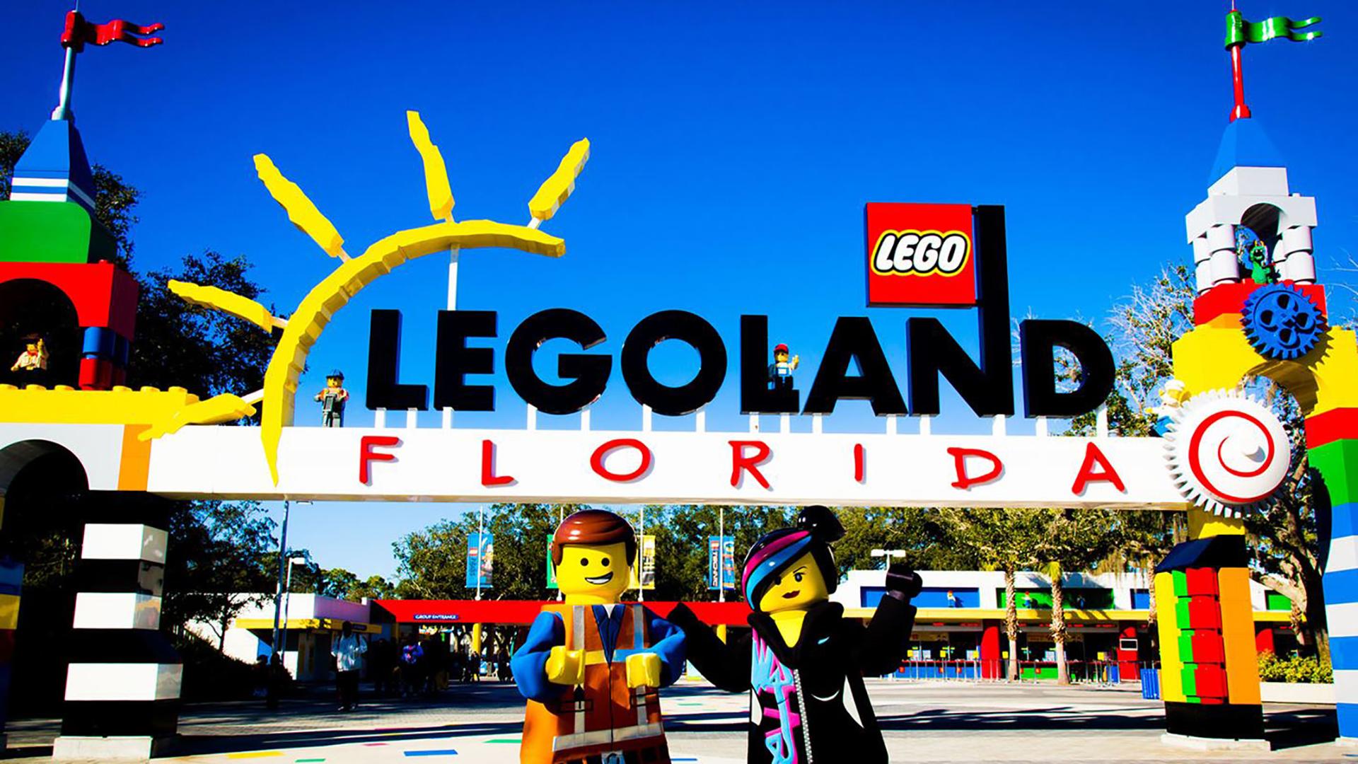 Legoland Florida Resort, cercade los parques Walt Disney World y Universal en Orlando , es uno de los ocho parques temáticos que hay en el planeta basados en los tradicionales juguetes de bloques