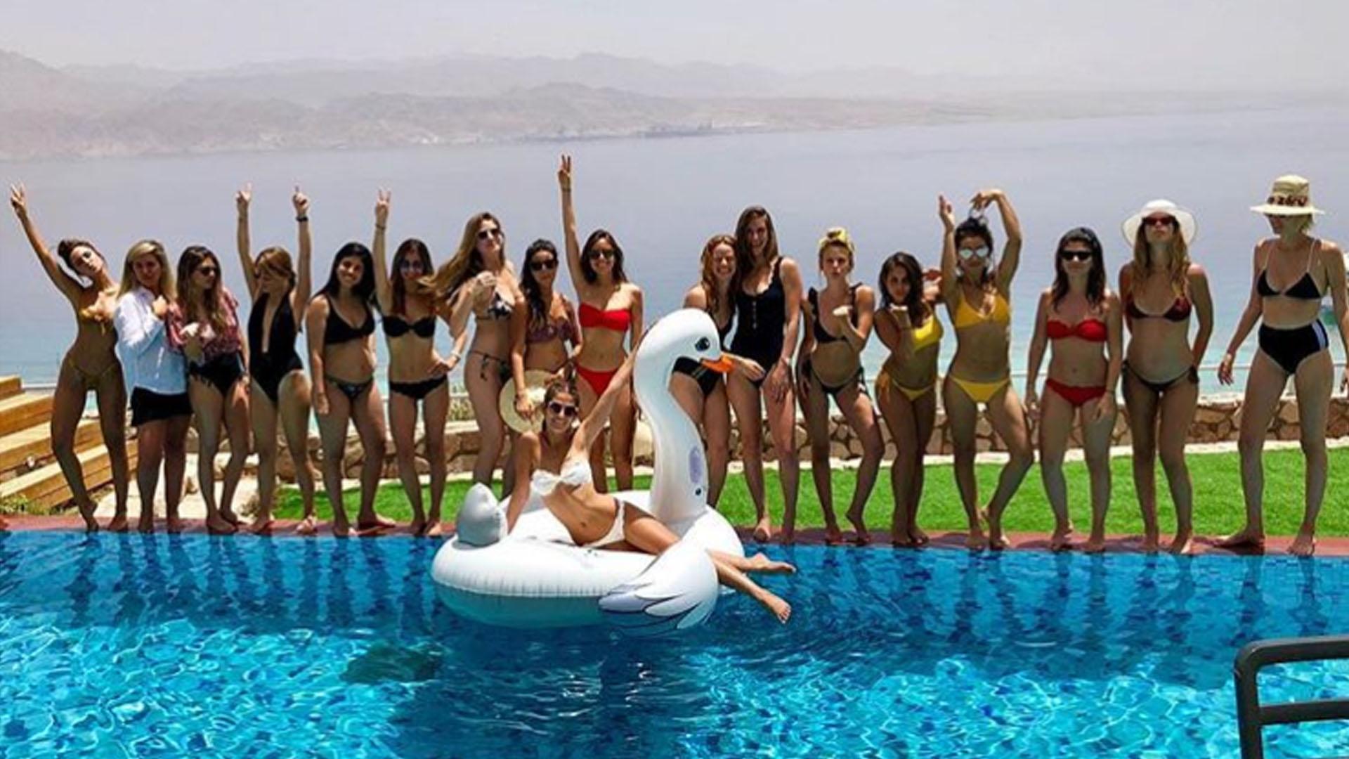 Las mujeres disfrutando en la despedida de soltera de Coral Simanovich (@coralsimanovich)