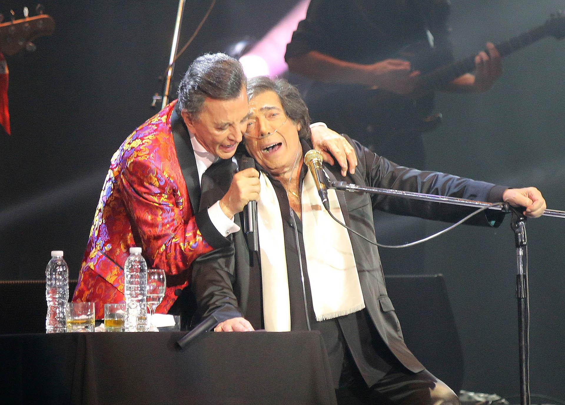 """""""Juntos"""" se llama el espectáculo que los ídolos populares ofrecieron en el mítico estadio porteño"""