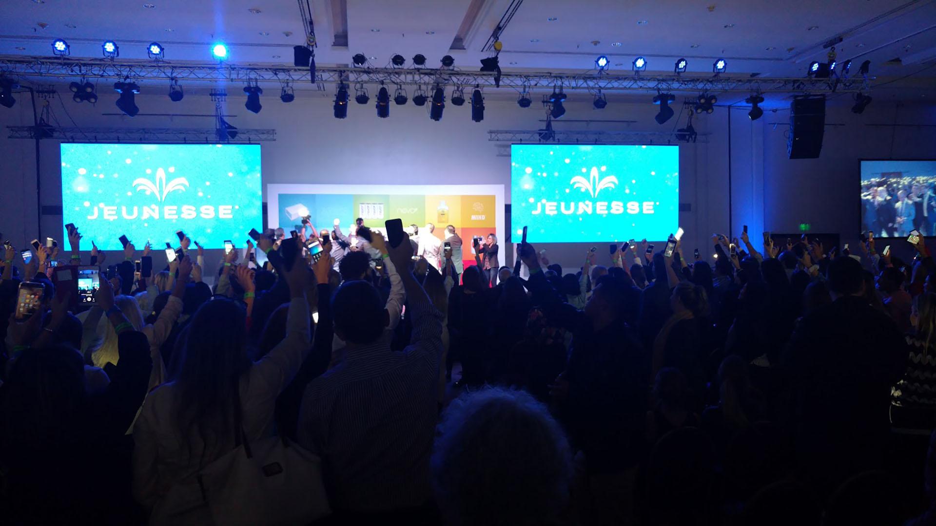 La presentación en Buenos Aires fue igual a las que hicieron en otros países como Chile.