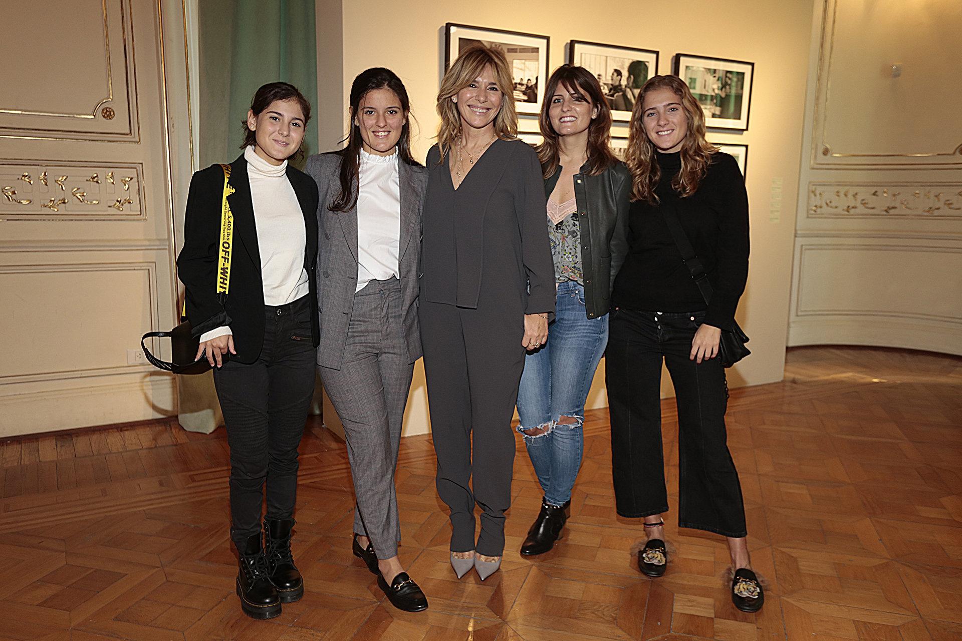 Grace Ratto y sus hijas, de izquierda a derecha, Emilia, Luz, Virginia y Pilar Gorosito