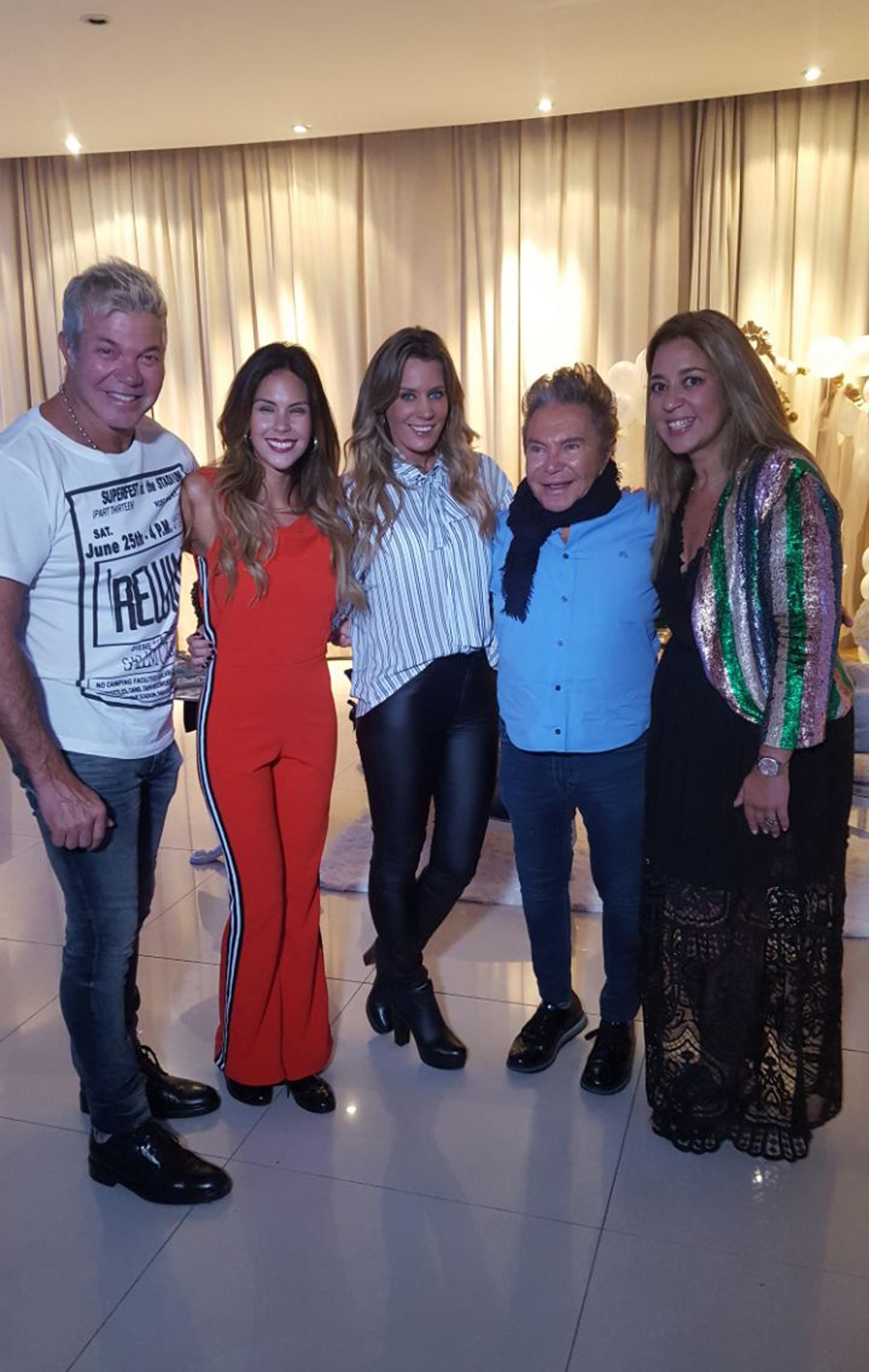 Fernando Burlando, Barby Franco, Rocío Marengo, Felipe Rozenmuter (CEO de Promusica) y María Laura Gregoriadis