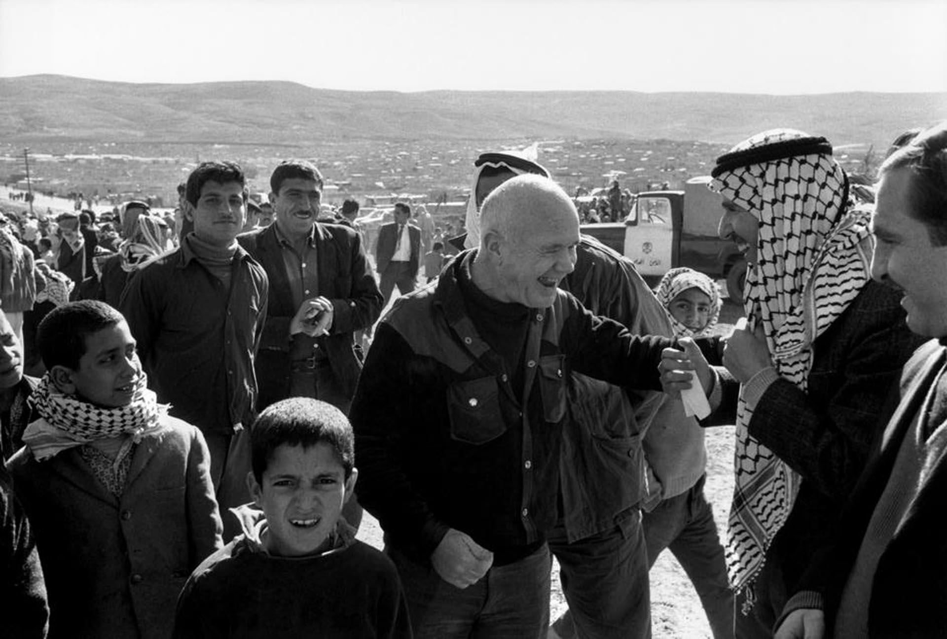 Genet en un campo de refugiados palestinos en Jordania en 1982