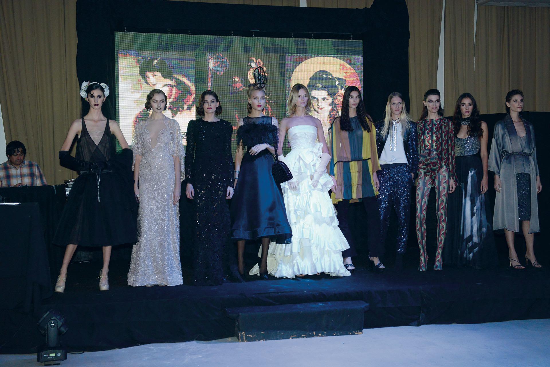 Todas las décadas estuvieron representadas en el desfile por los diseñadores más top de la Argentina.