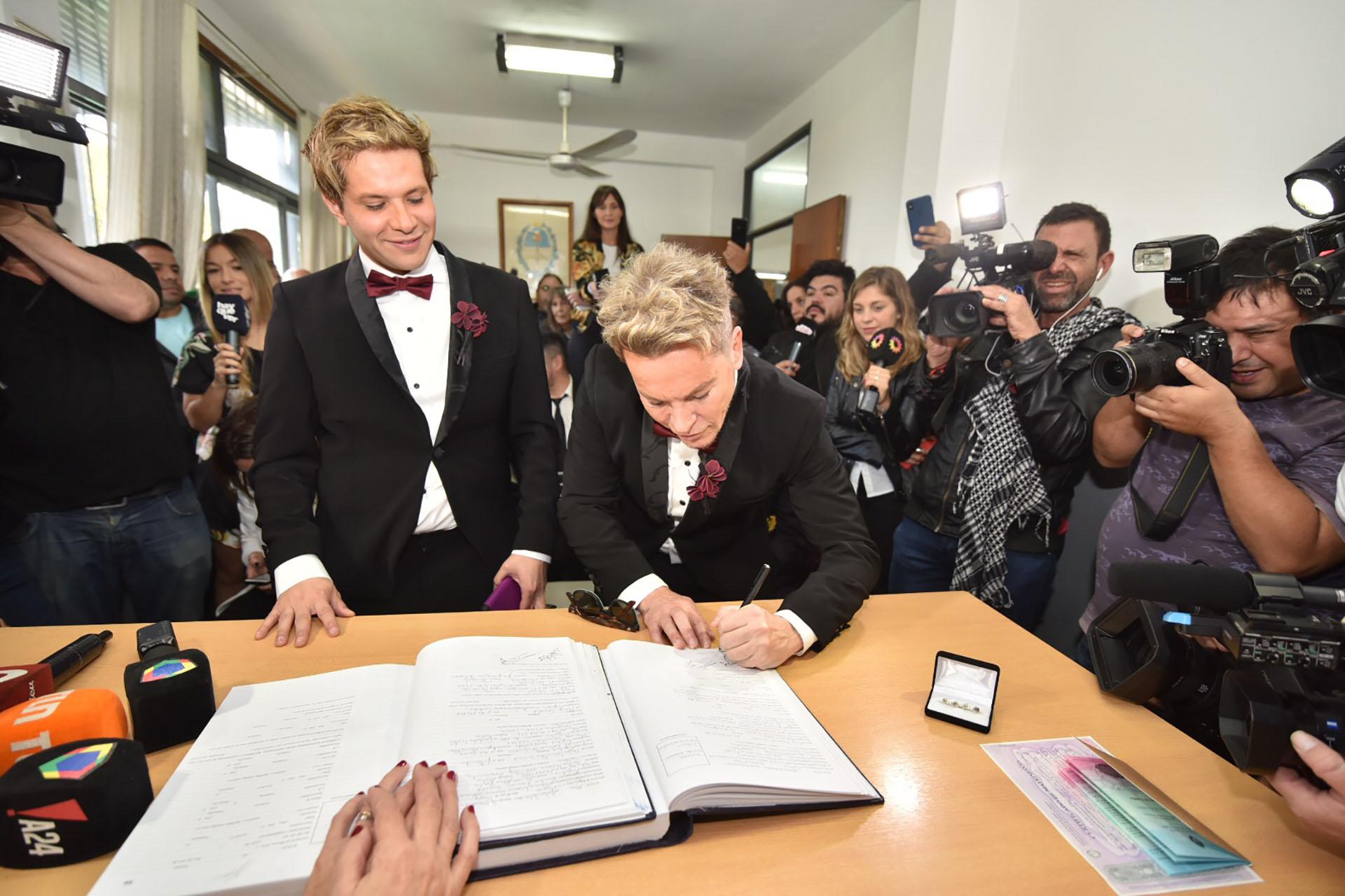 Decenas de periodistas estuvieron en la boda
