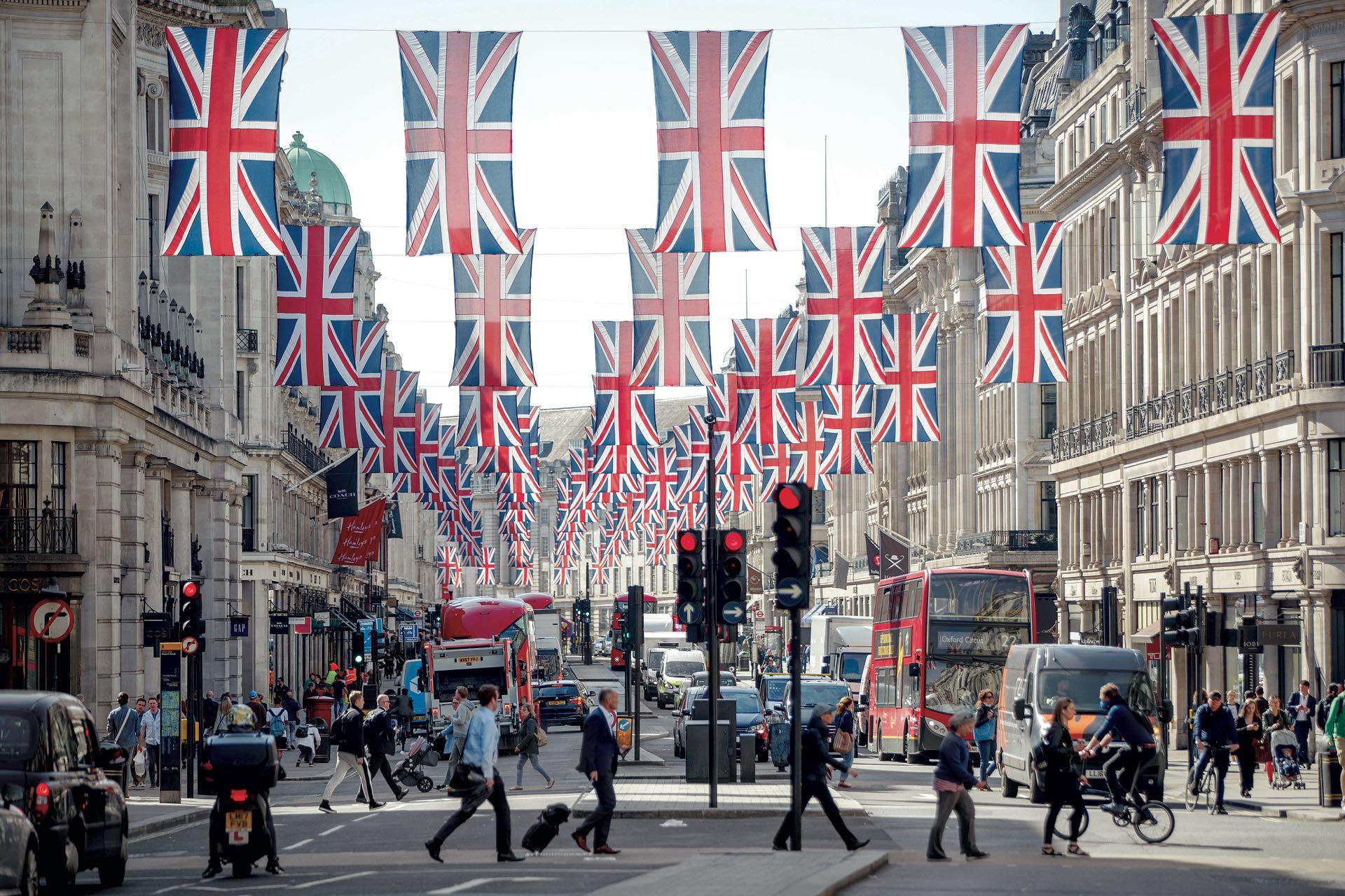 Las calles de Londres preparadas para la gran boda real.