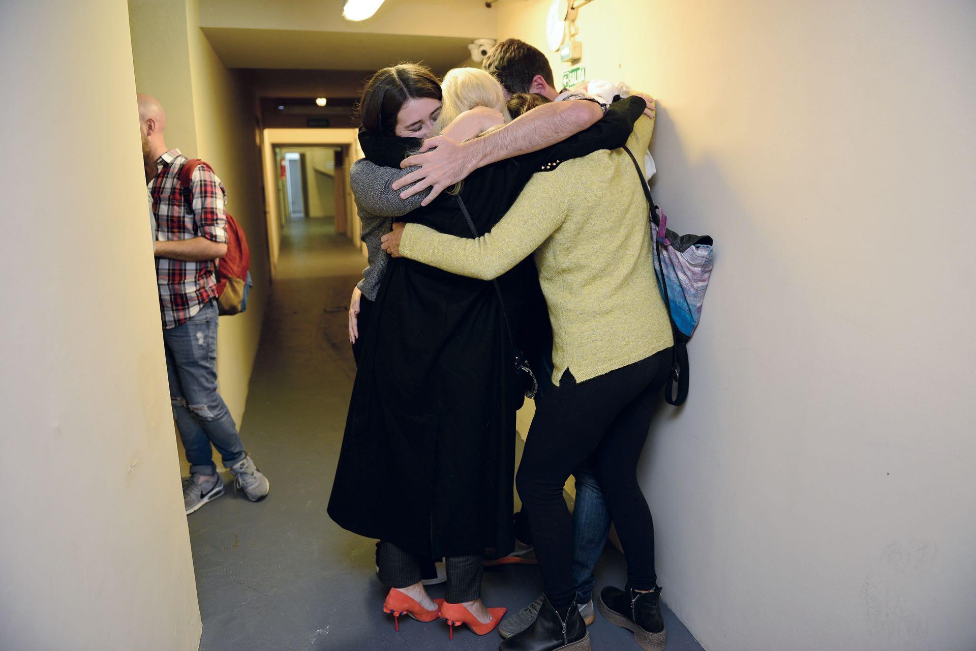 El abrazo de los hermanos Siciliani