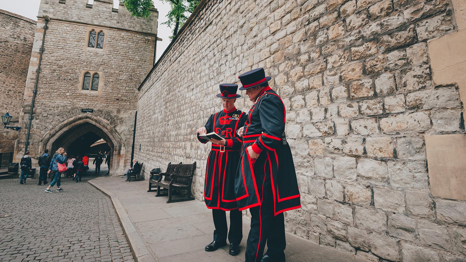 Los guardias también son los guías disponibles para los turistas (Getty Images)