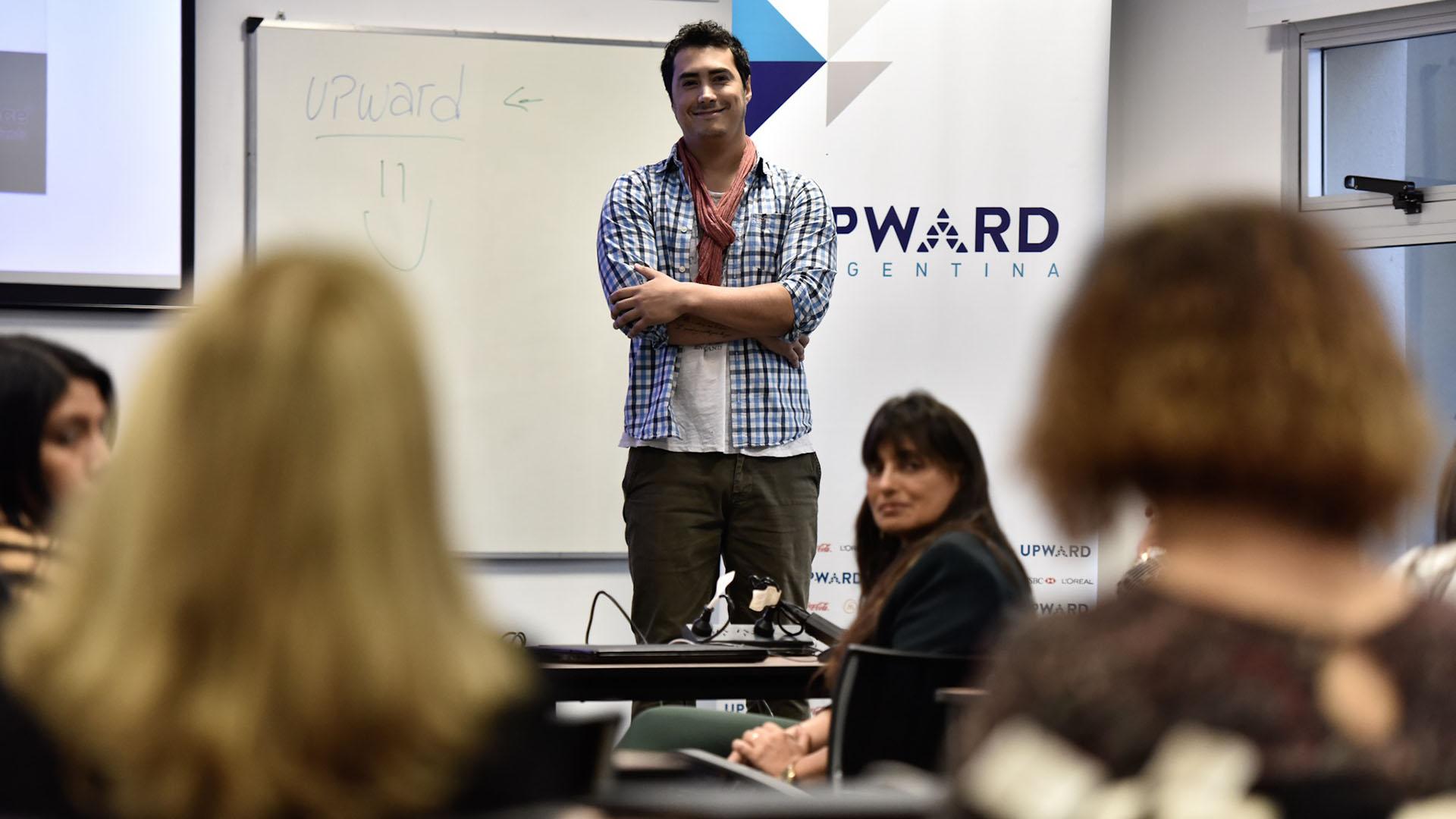José María Delay, licenciado en Comunicación Social y profesor de Digital House, ofreció la charla sobre negocios digitales (Adrián Escandar)