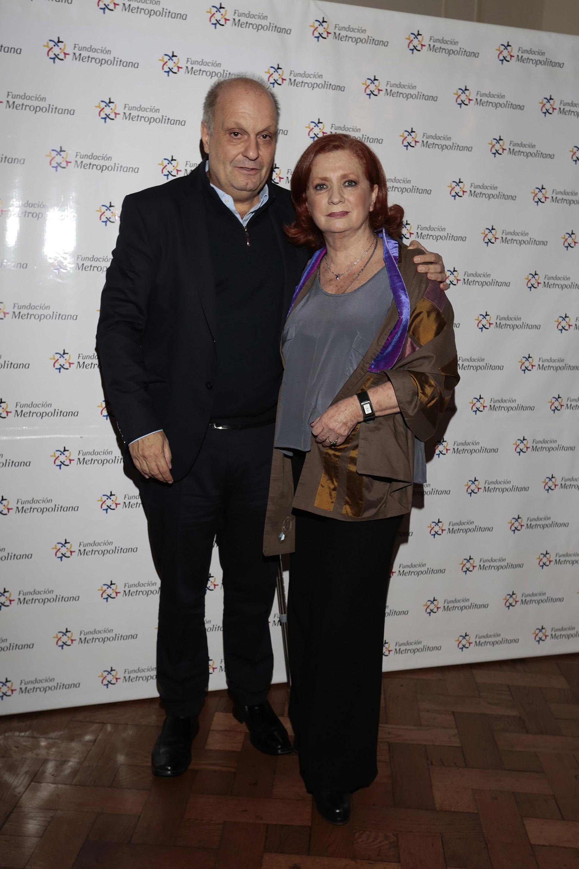 El titular del Sistema Federal de Medios y Contenidos Públicos, Hernán Lombardi, junto a Teresa González Fernández