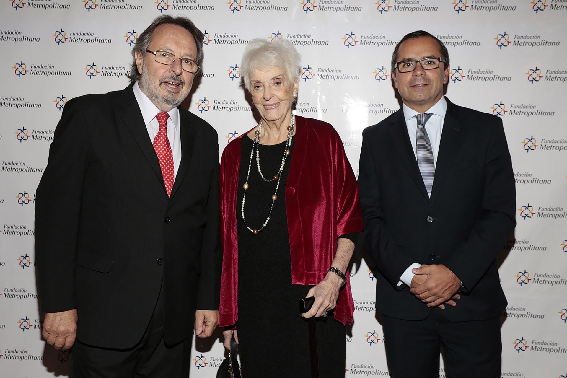 Pedro Del Piero y Gastón Urquiza junto a Graciela Fernández Meijide