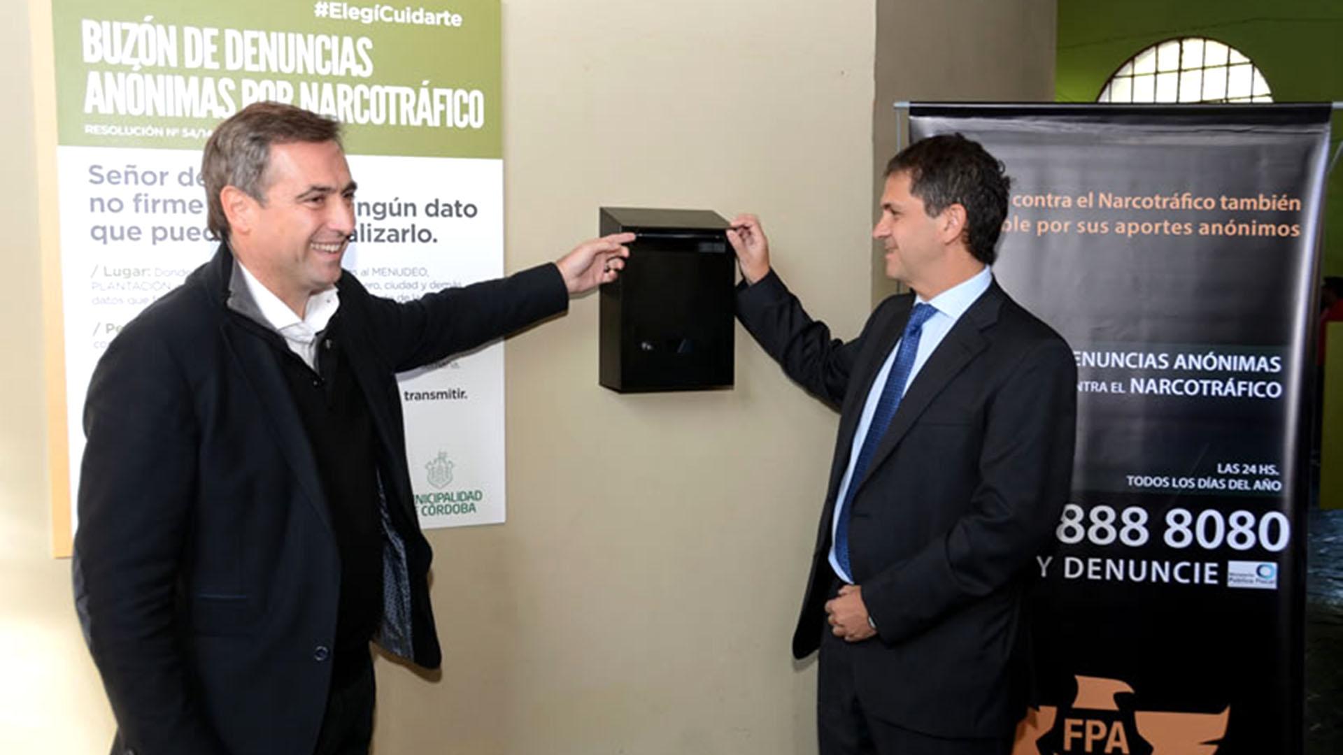 Inauguración de una de la urnas con denuncias anónimas en la provincia de Córdoba.