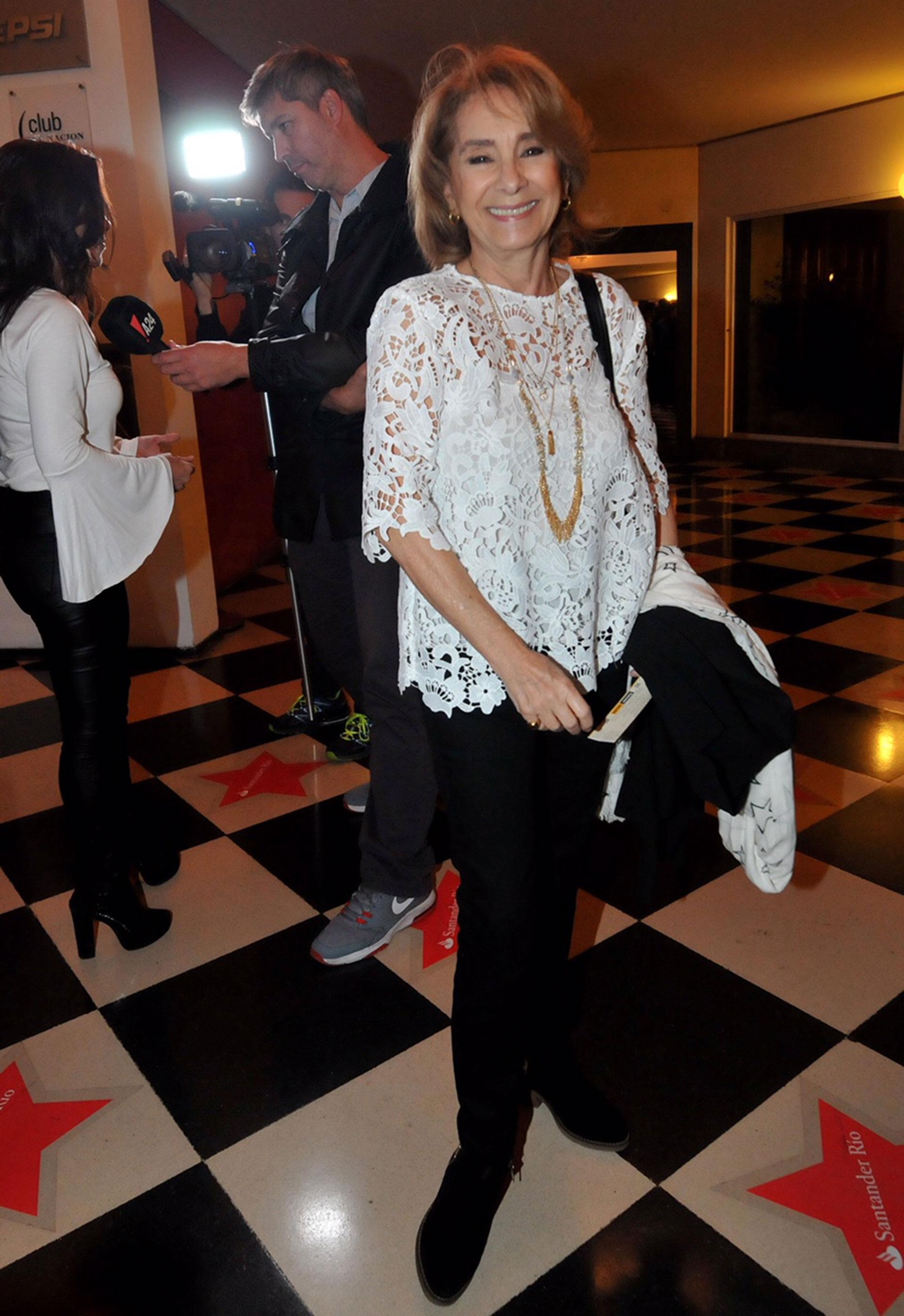 Selva Alemán estuvo entre el público que vio el reencuentro de su marido, Arturo Puig con Jorga Marrale sobre el escenario.