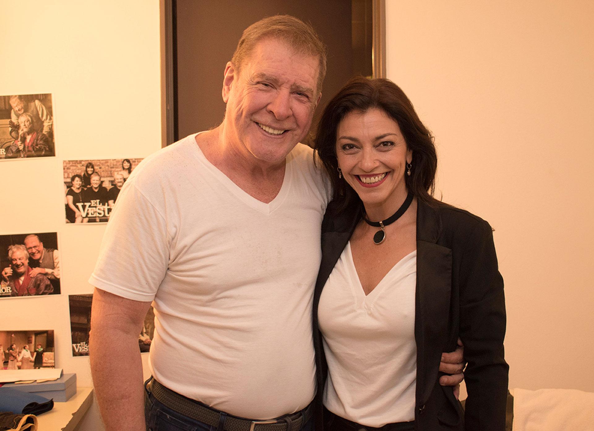 Nancy Anka visitó a Arturo Puig, con quien trabajó en 'Grande Pa' en camarines después de ver 'El vestidor'
