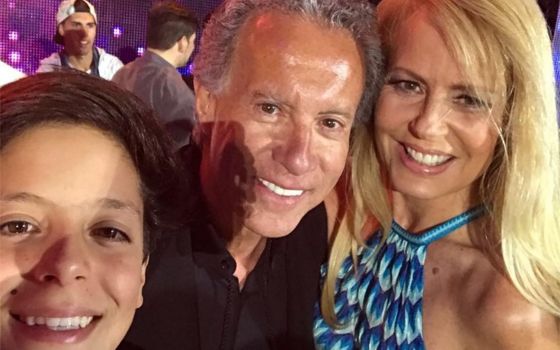 Bolocco y Máximo junto al empresario chileno José Patricio Daire, que según la ex Miss Universo oficia de papá del adolescente. (Foto Instagram)