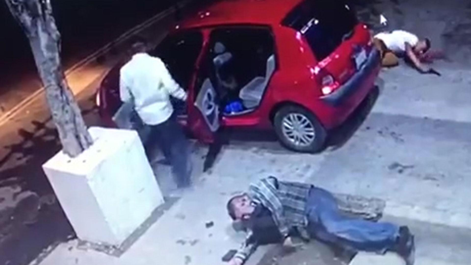 El agresor heridomurió en un hospital público donde lo abandonó su acompañante.