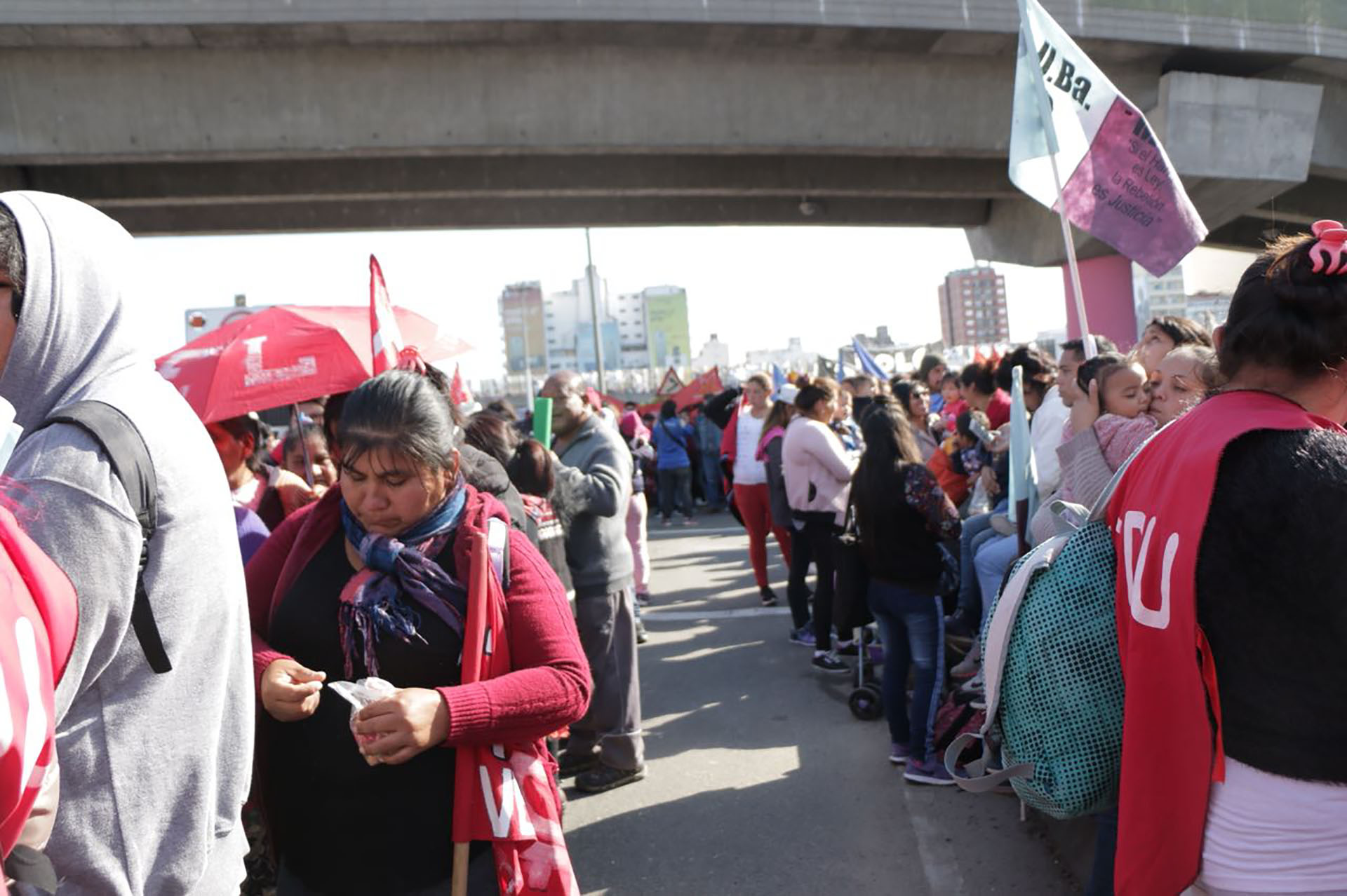 Los manifestantes cortaron la bajada durante el mediodía