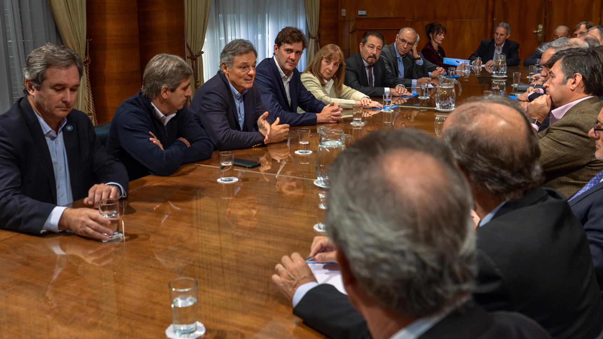 Caputo y Cabrera con el Foro de Convergencia Empresarial