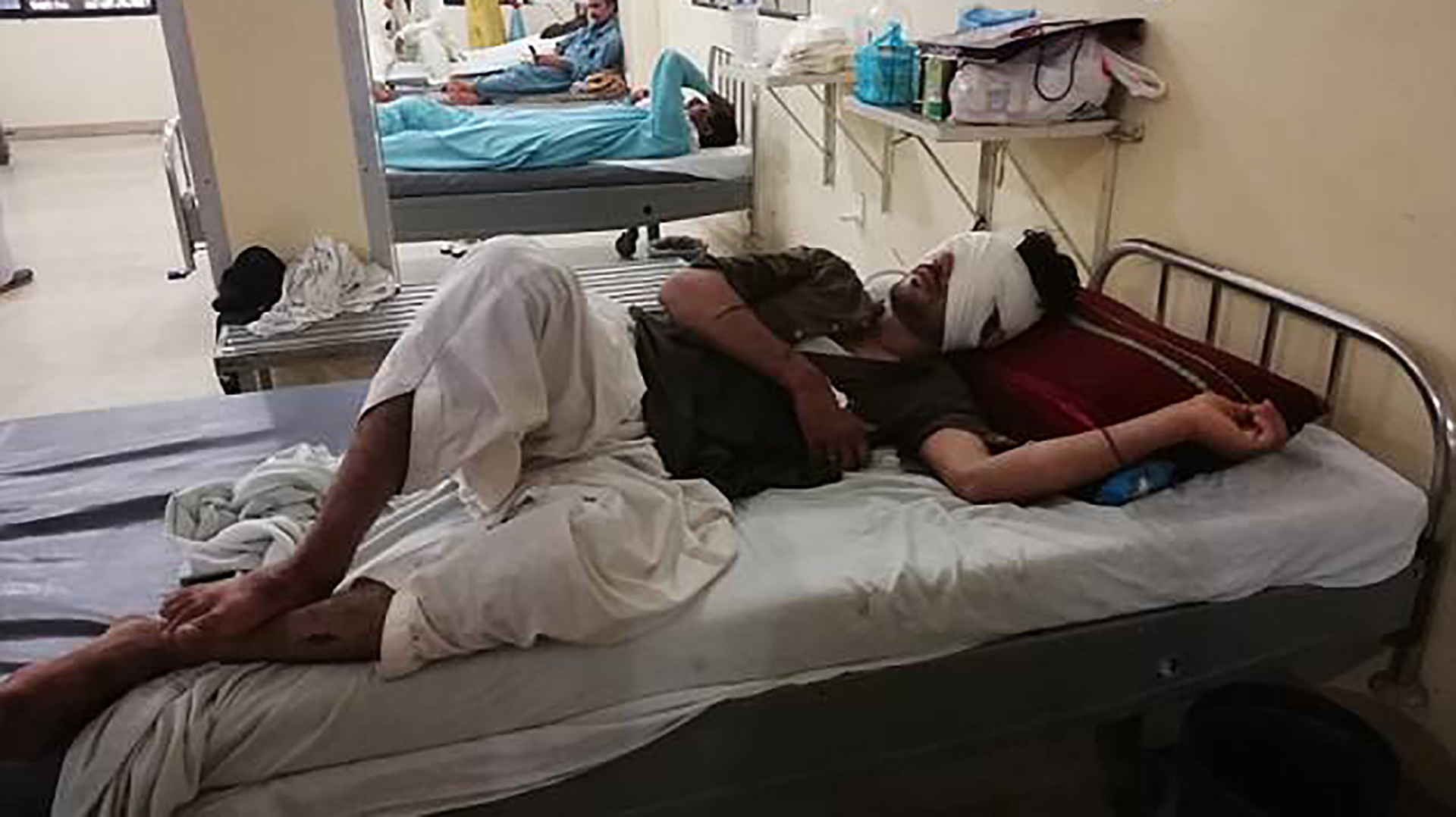 Luego de que le quitaran los dos ojos, Badiq pidió a su padre y hermanos que lo mataran (Caters New Agency)