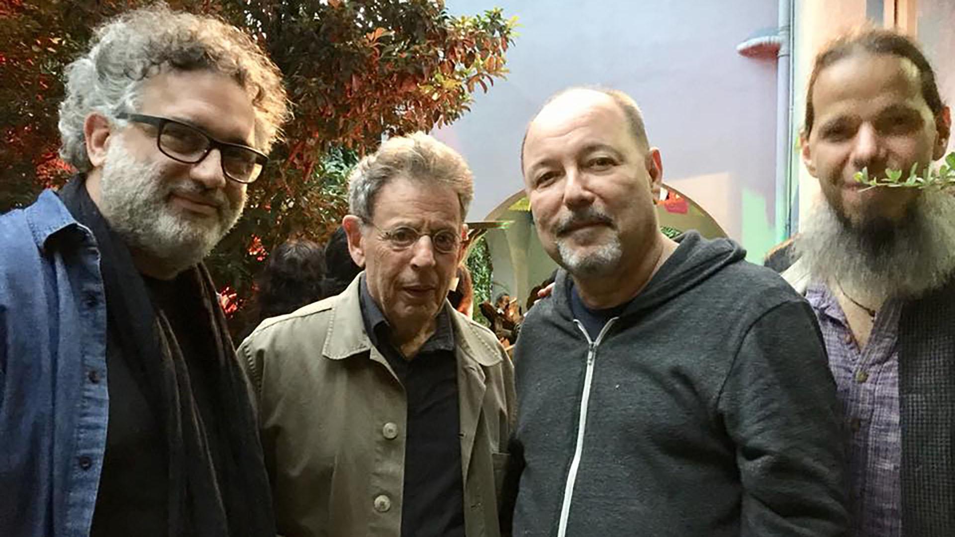 Rubén Blades con Phillip Glass en la Ciudad de México, luego del robo en Veracruz.