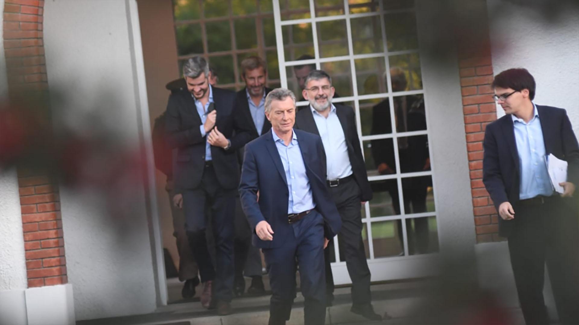 Mauricio Macri rumbo a la conferencia de prensa (Fabián Ramella)