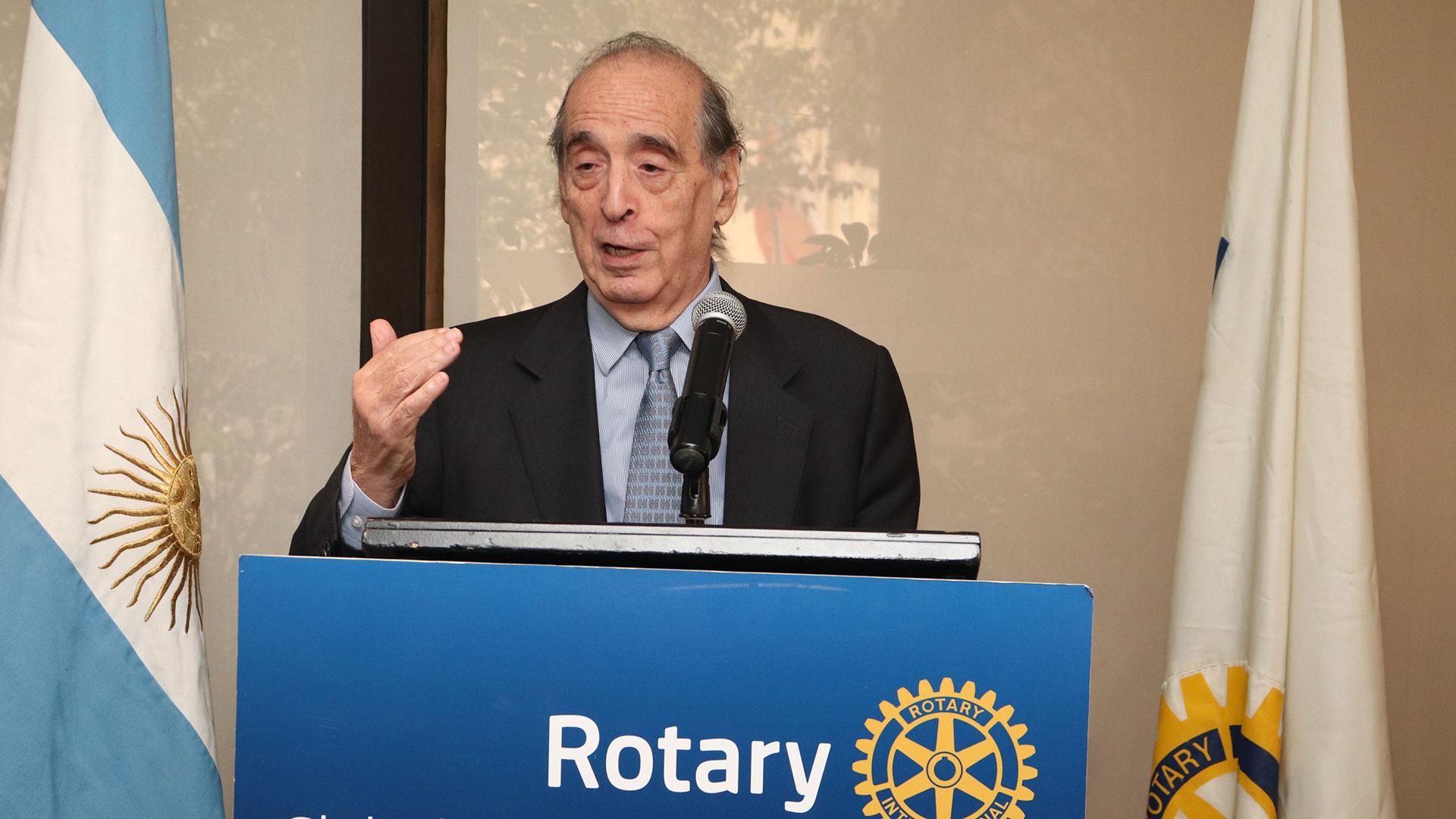 El economista Ricardo Arriazu durante el almuerzo en el Rotary