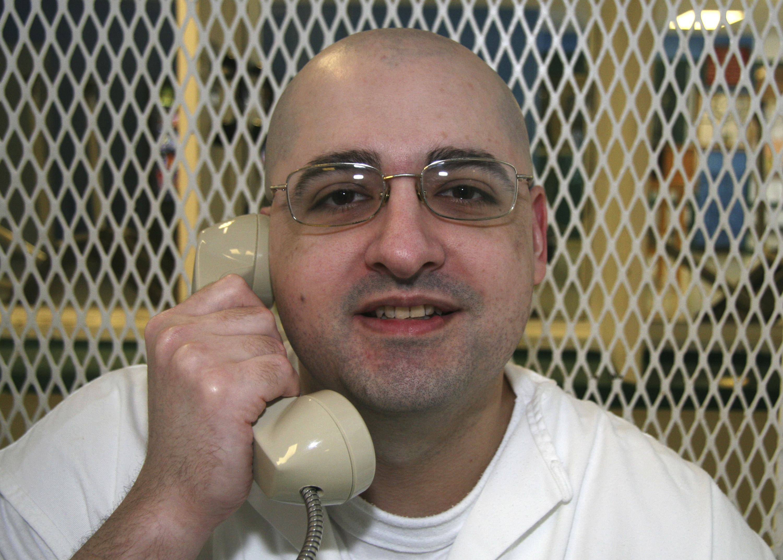 Esta foto del 9 de mayo del 2018 muestra a Juan Edward Castillo en el penal Polunsky, cerca de Livingston, Texas. Castillo fue ejecutado el miércoles 16 de mayo del 2018. (AP Foto/Mike Graczyk)