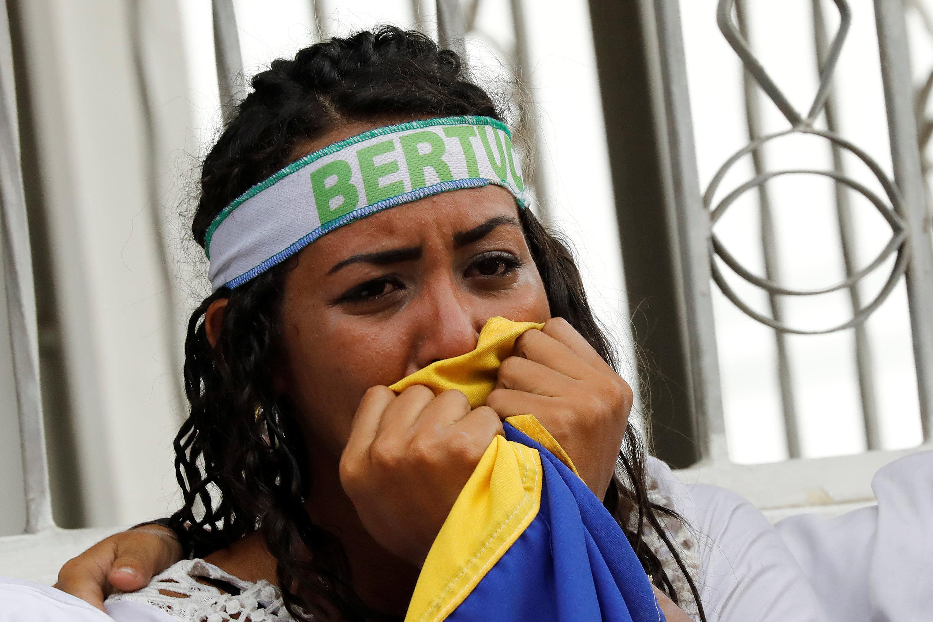 Una militante durante el acto de cierre de campaña (REUTERS/Carlos Jasso)