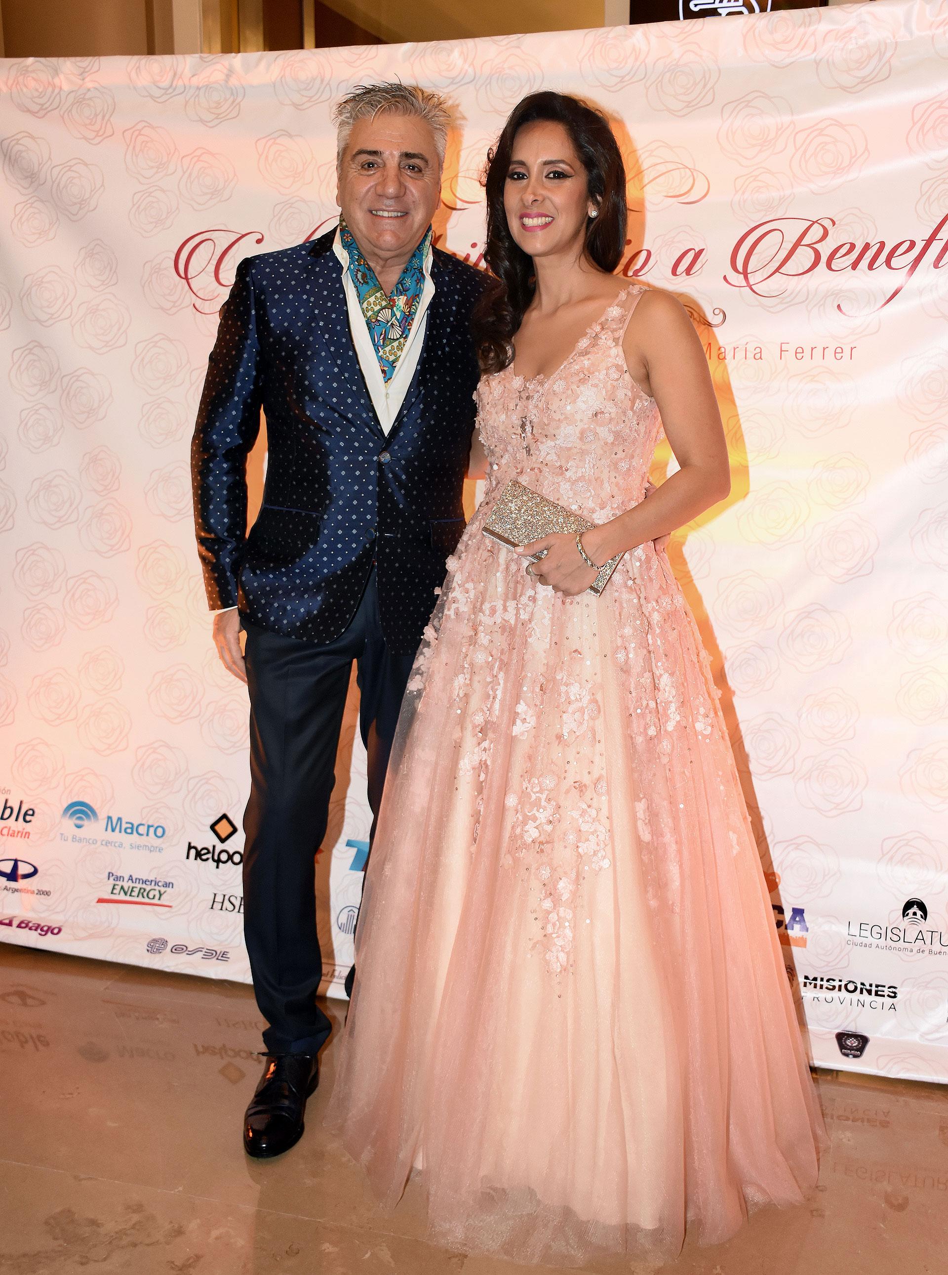 Con Vanesa Noble Herrera en la segunda Gala Aniversario a beneficio de la Asociación Cooperadora del Hospital de Rehabilitación Respiratoria María Ferrer de la Ciudad de Buenos Aires en 2016