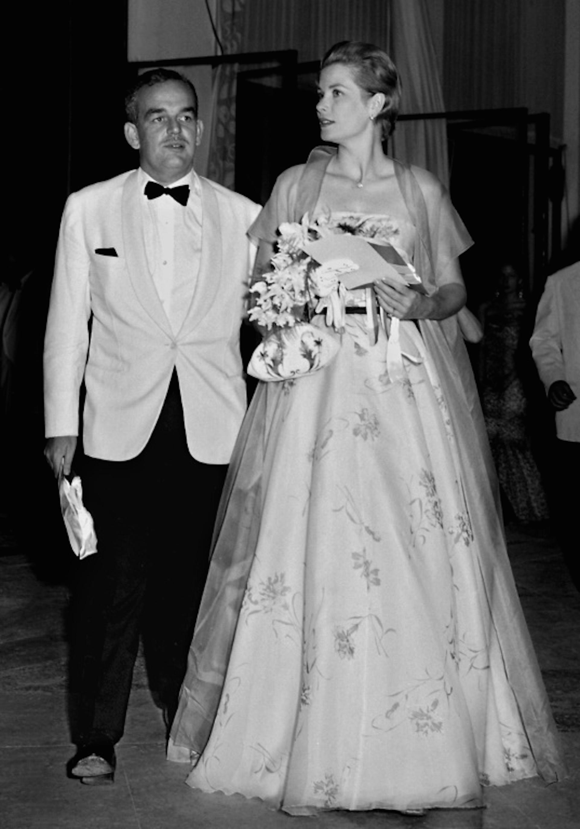Contrariamente a lo que imaginaba, después de la boda con el príncipe Rainero de Mónaco, la actriz Grace Kelly tuvo que renunciar a su carrera cinematográfica (AFP/Archivos – )